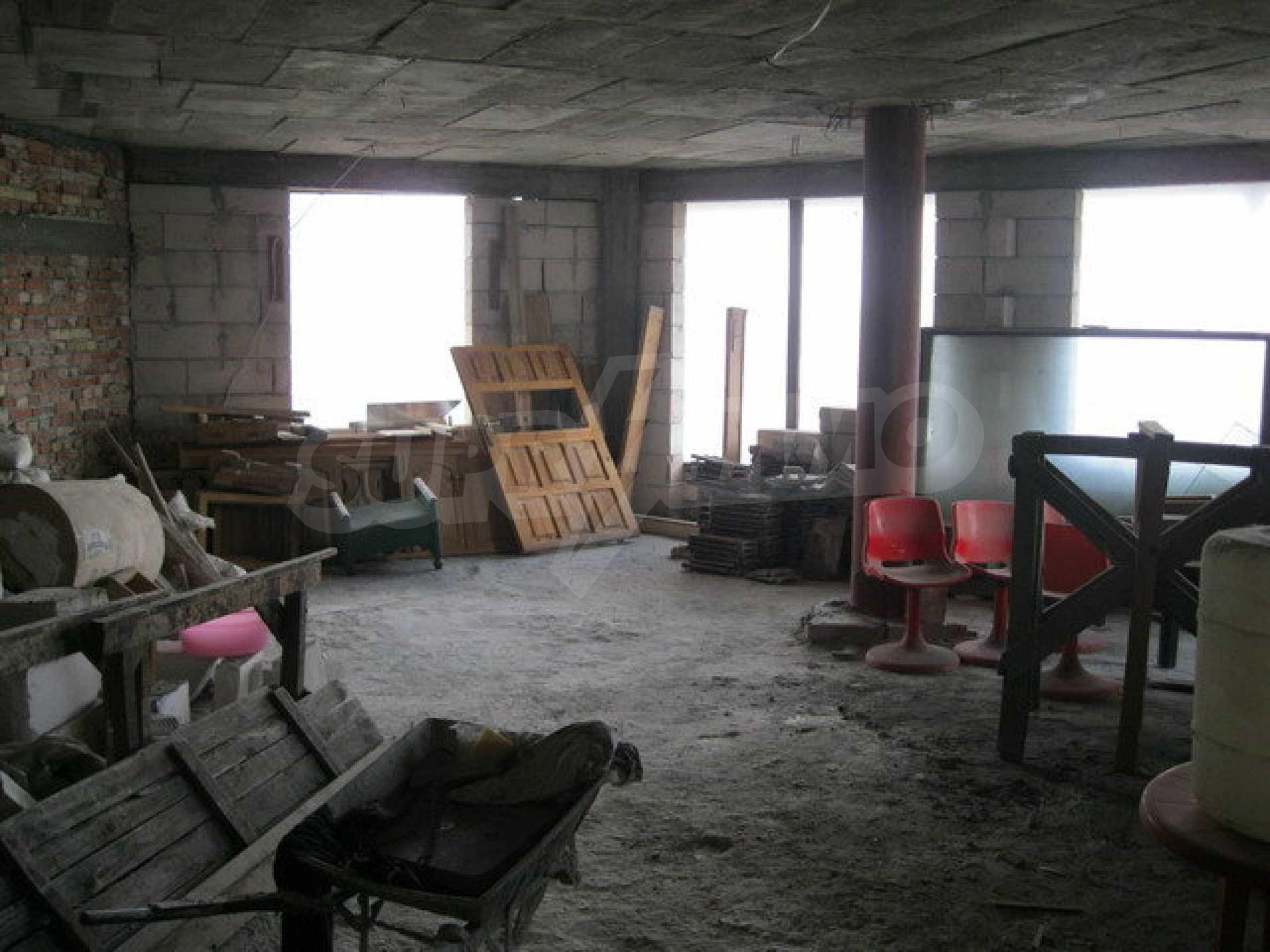 Commercial property on 3 levels for sale in Veliko Tarnovo  25