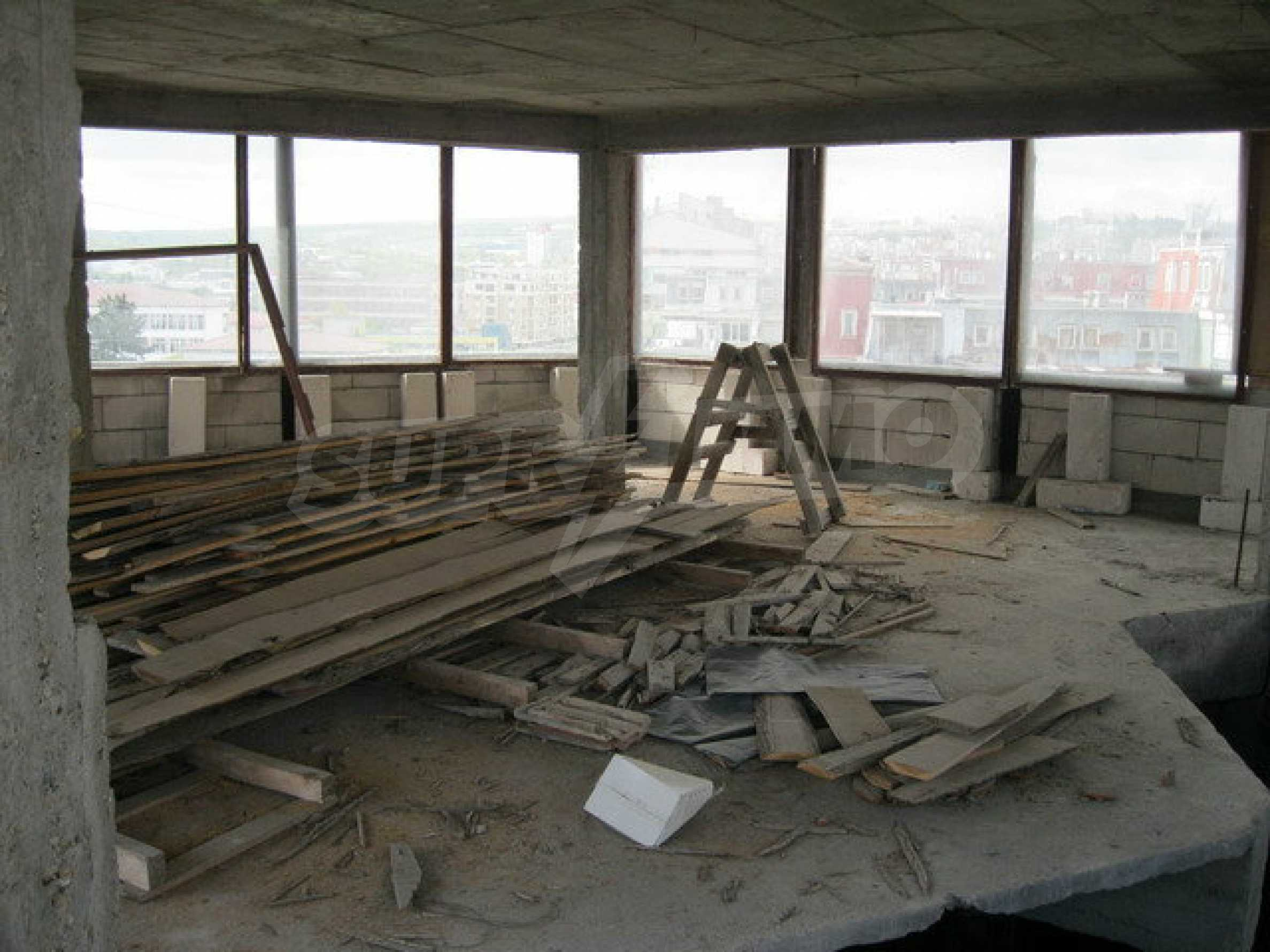 Commercial property on 3 levels for sale in Veliko Tarnovo  33