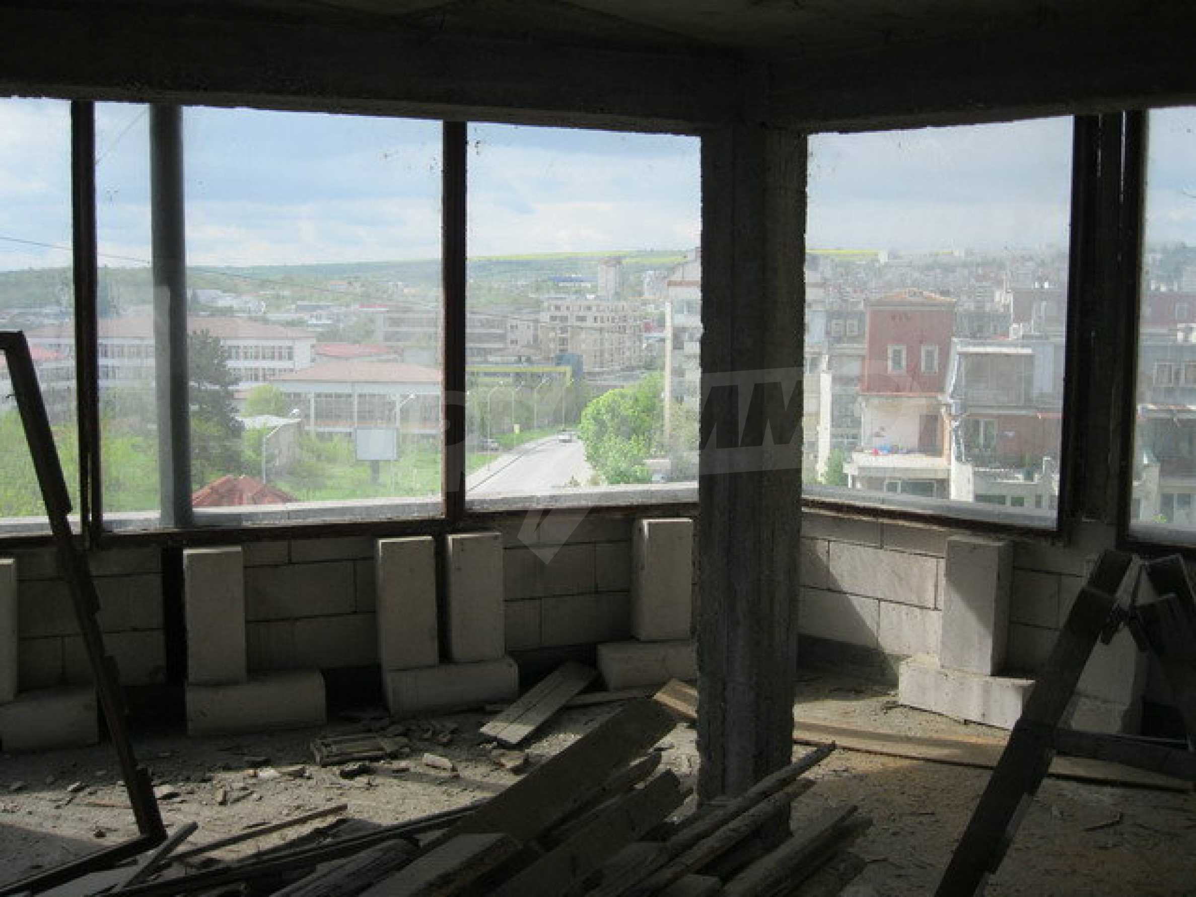 Commercial property on 3 levels for sale in Veliko Tarnovo  34