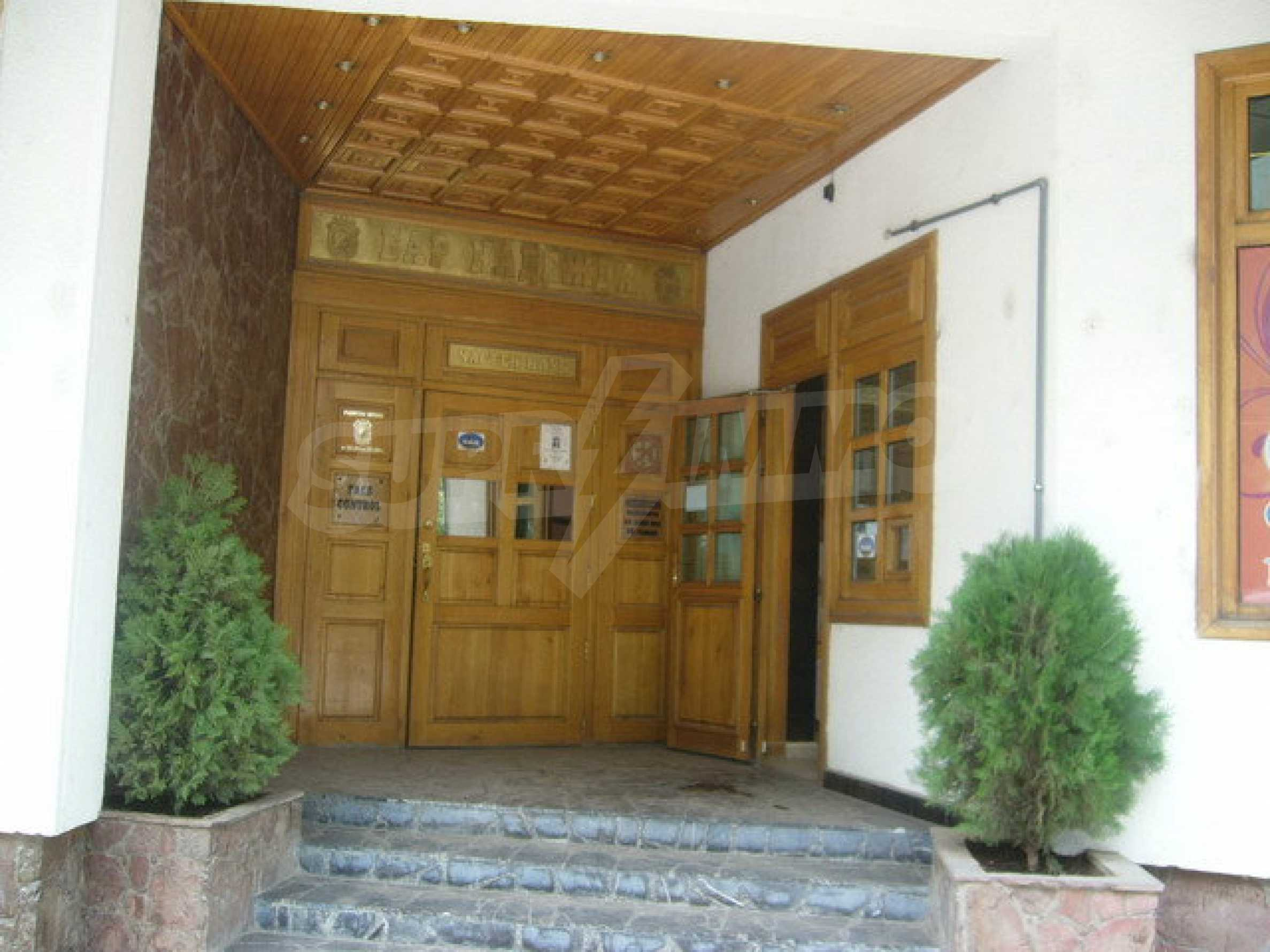 Commercial property on 3 levels for sale in Veliko Tarnovo  48
