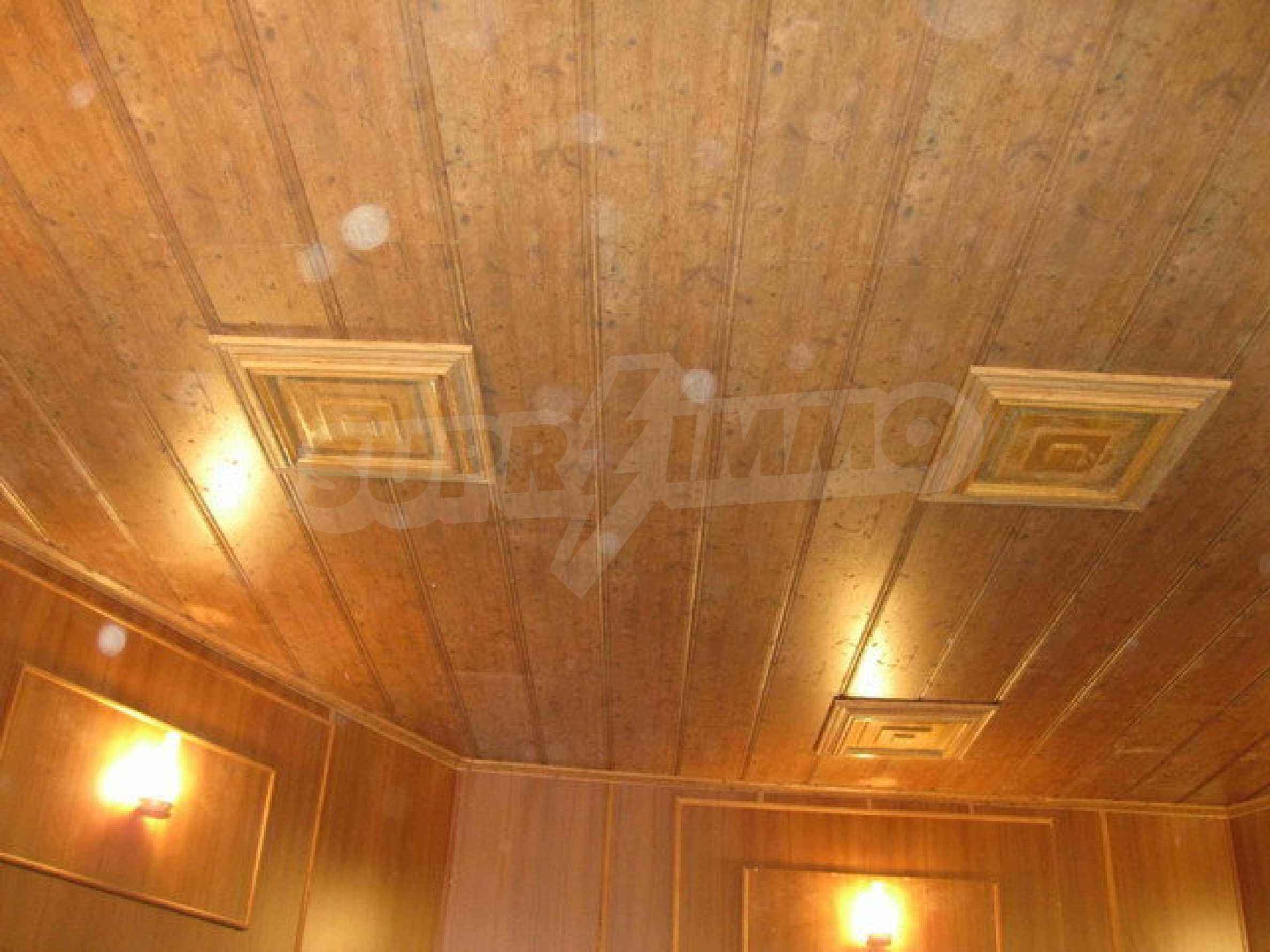 Commercial property on 3 levels for sale in Veliko Tarnovo  61