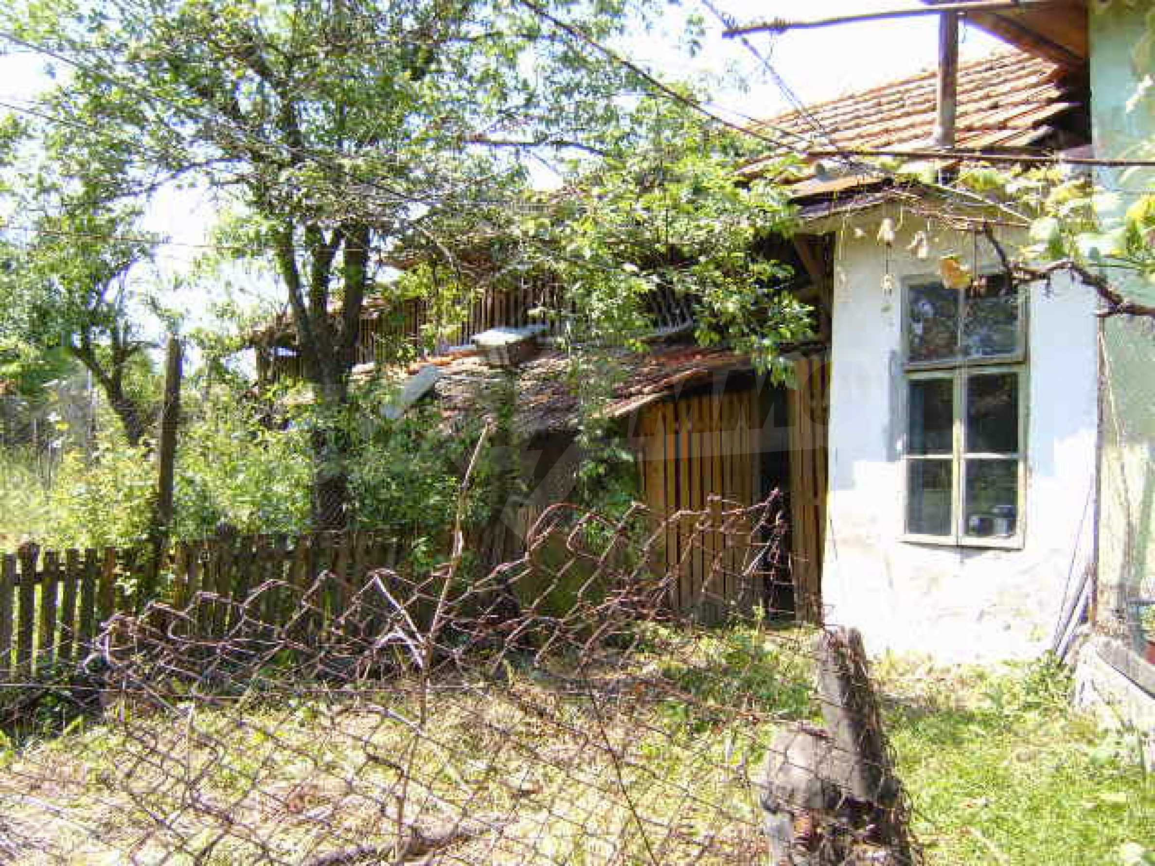 A lovely, typically rural house 20 km. from Veliko Tarnovo 20