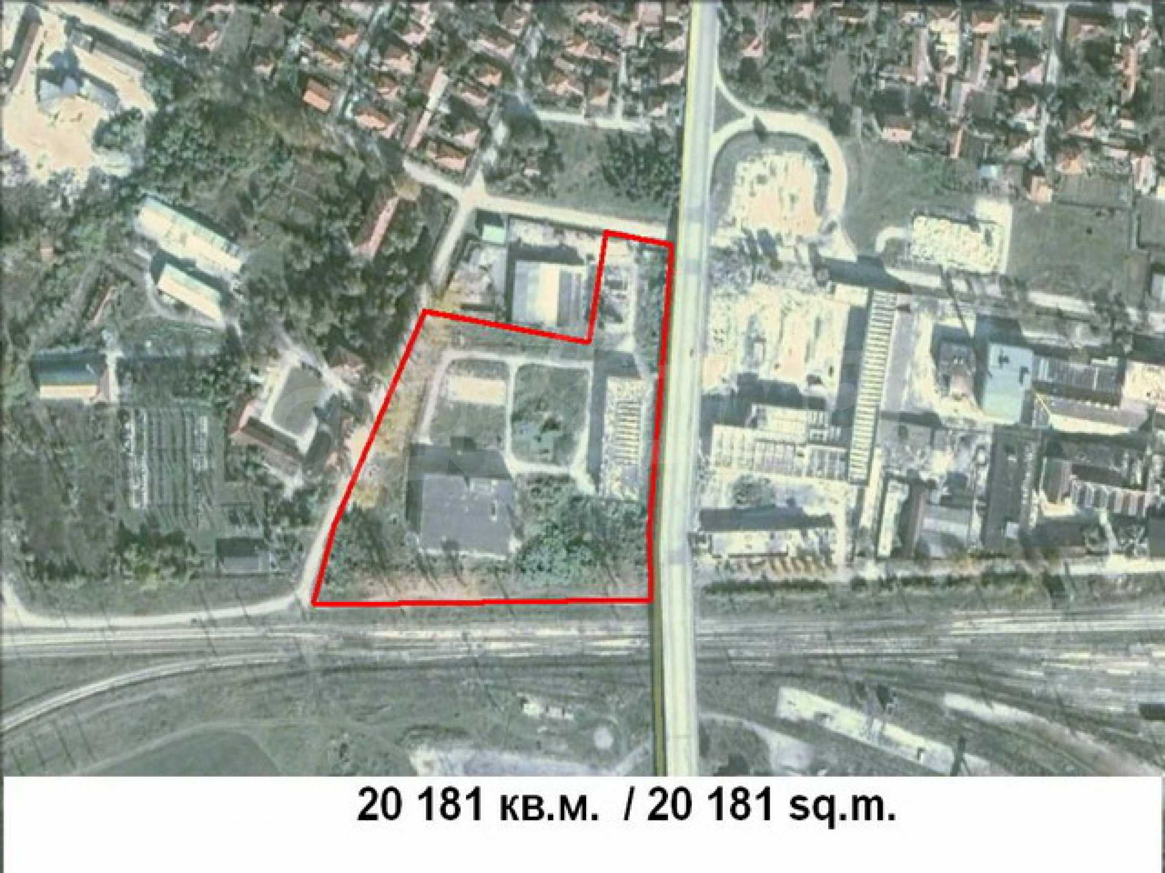 Industrial property in a small town, 10 km. from the main road E 83 2