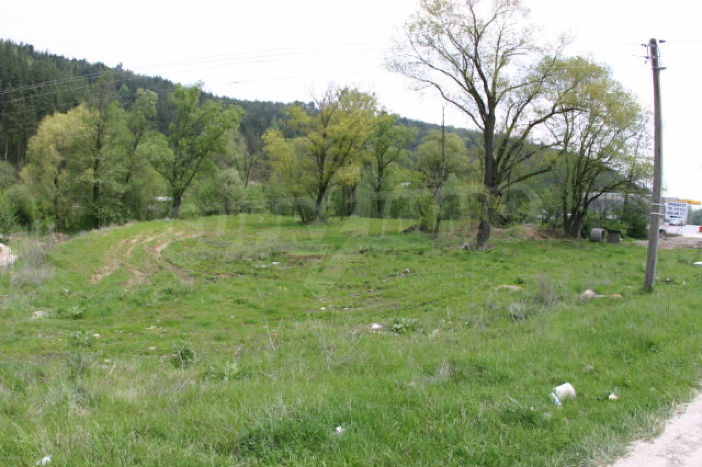 Geregeltes Grundstück zum Verkauf in der Nähe von Razlog