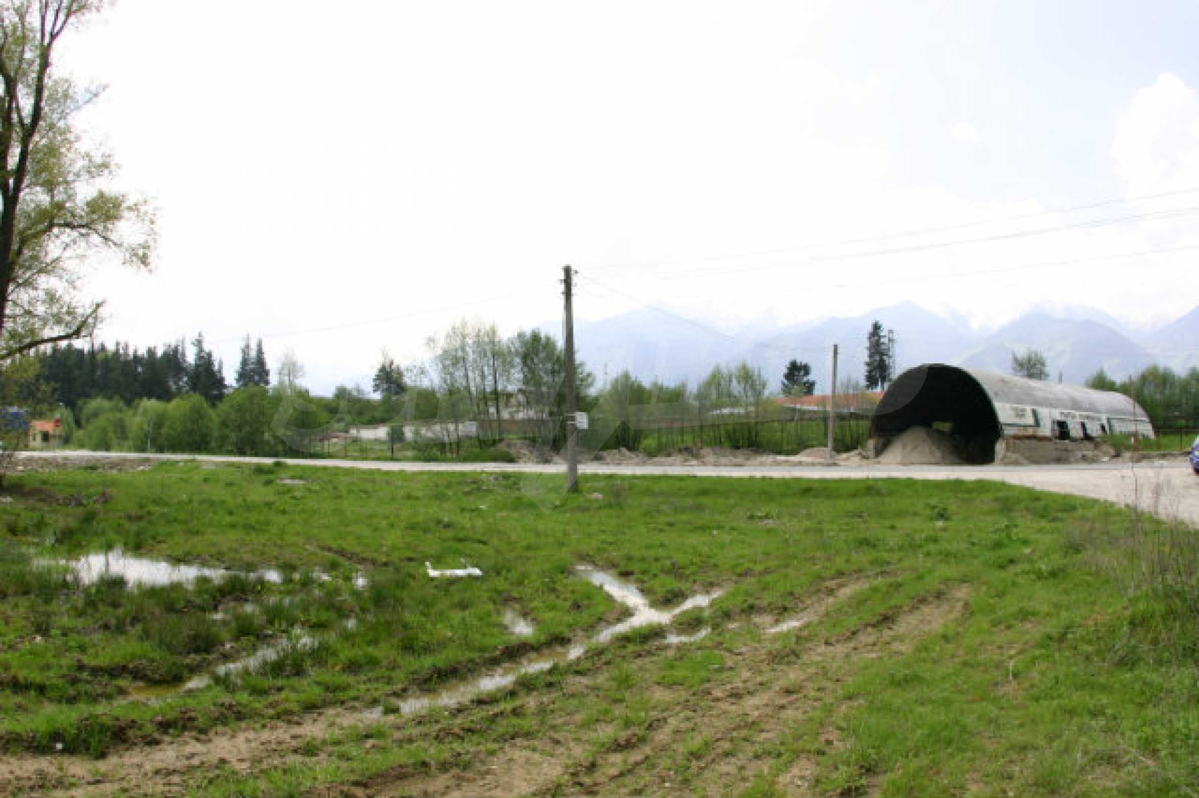 Geregeltes Grundstück zum Verkauf in der Nähe von Razlog 5