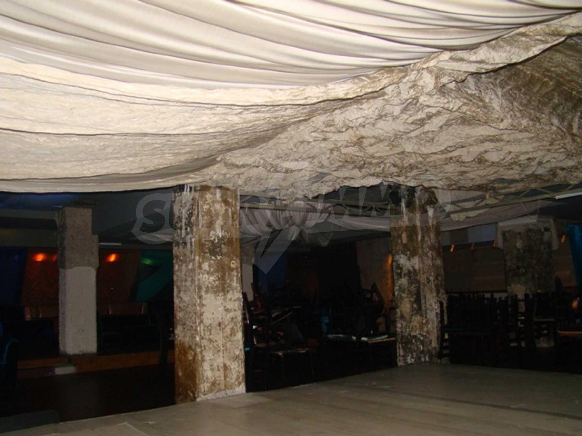 Обустроенный ночной клуб в центре Софии 13