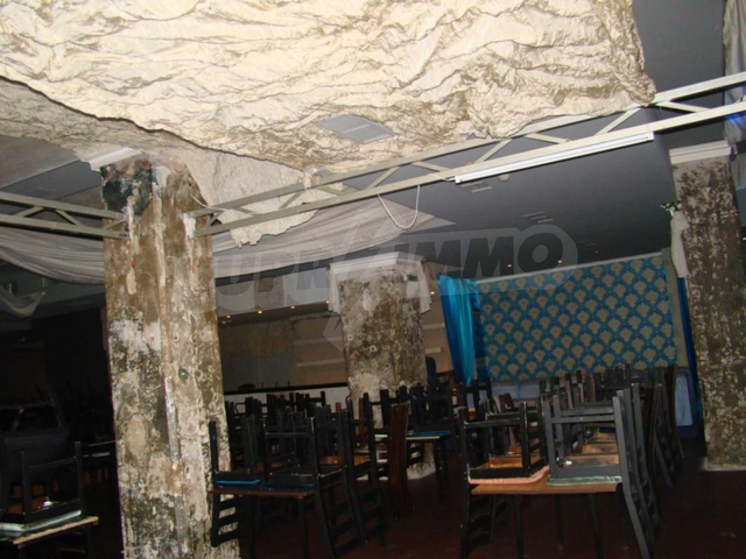 Обустроенный ночной клуб в центре Софии 15
