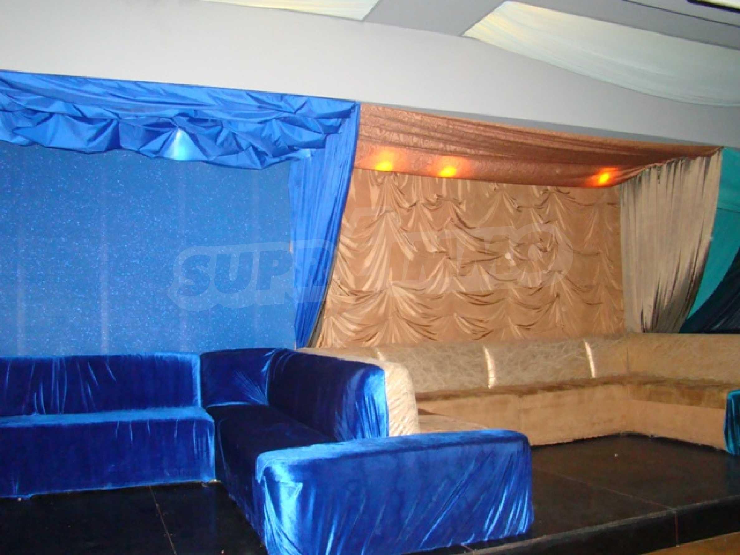 Обустроенный ночной клуб в центре Софии 17