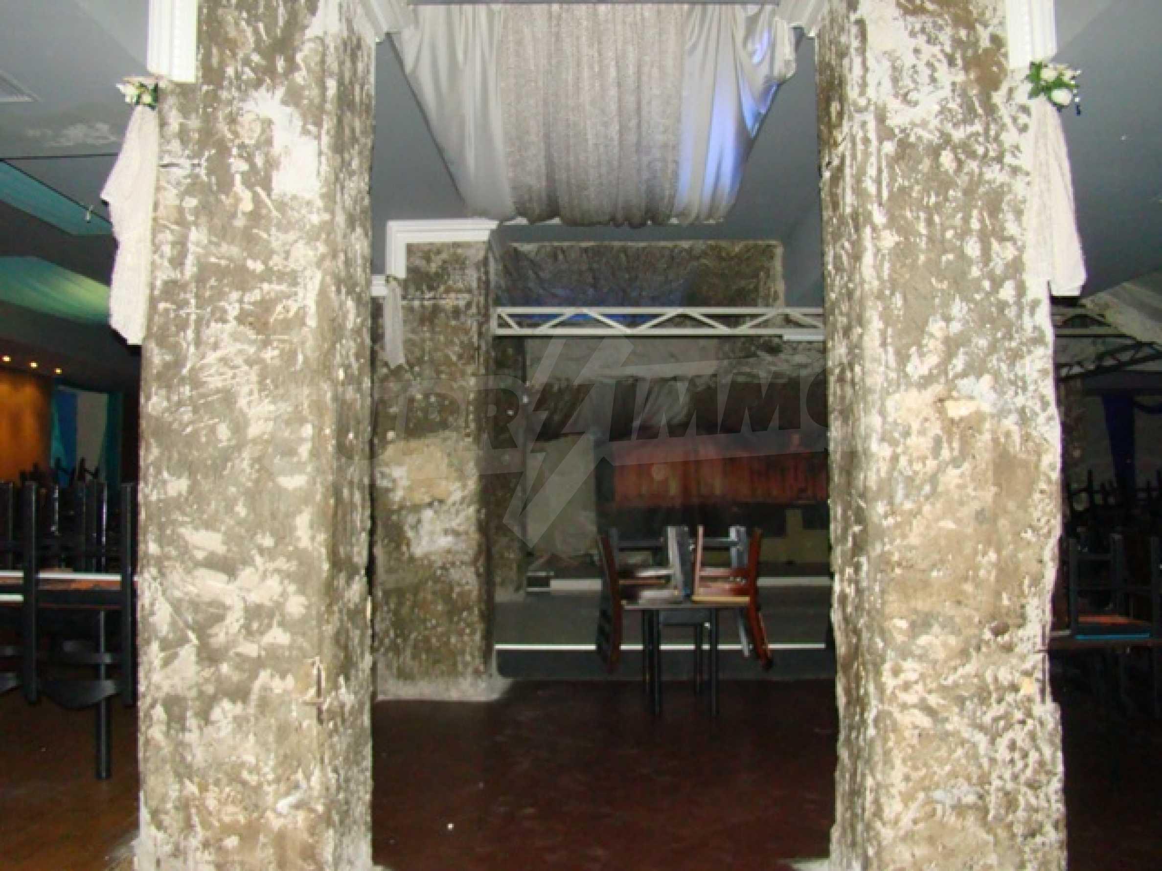Обустроенный ночной клуб в центре Софии 40
