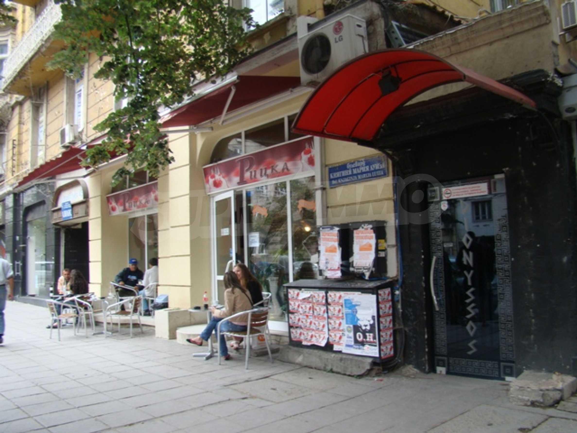 Обустроенный ночной клуб в центре Софии 4