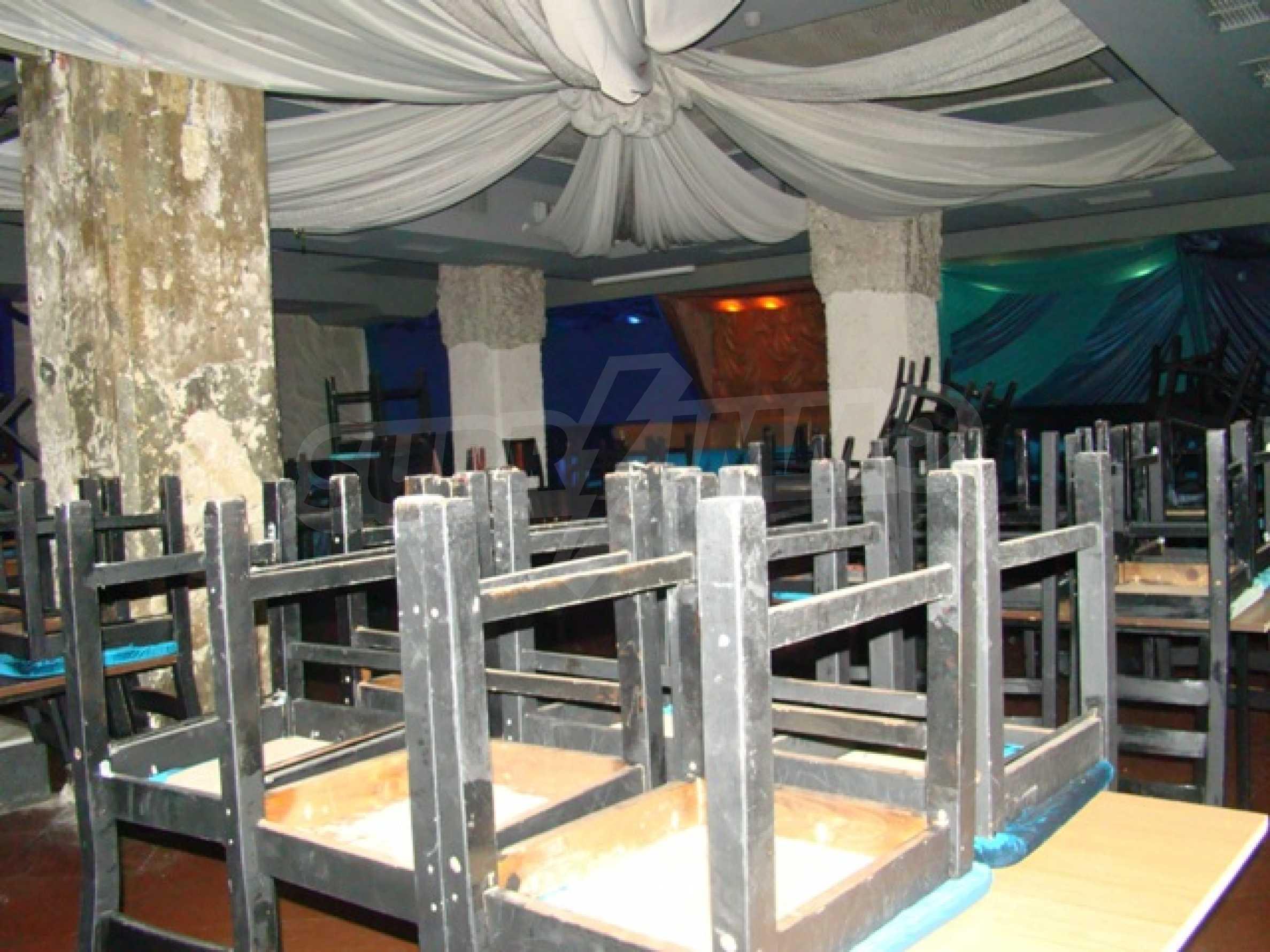 Обустроенный ночной клуб в центре Софии 6