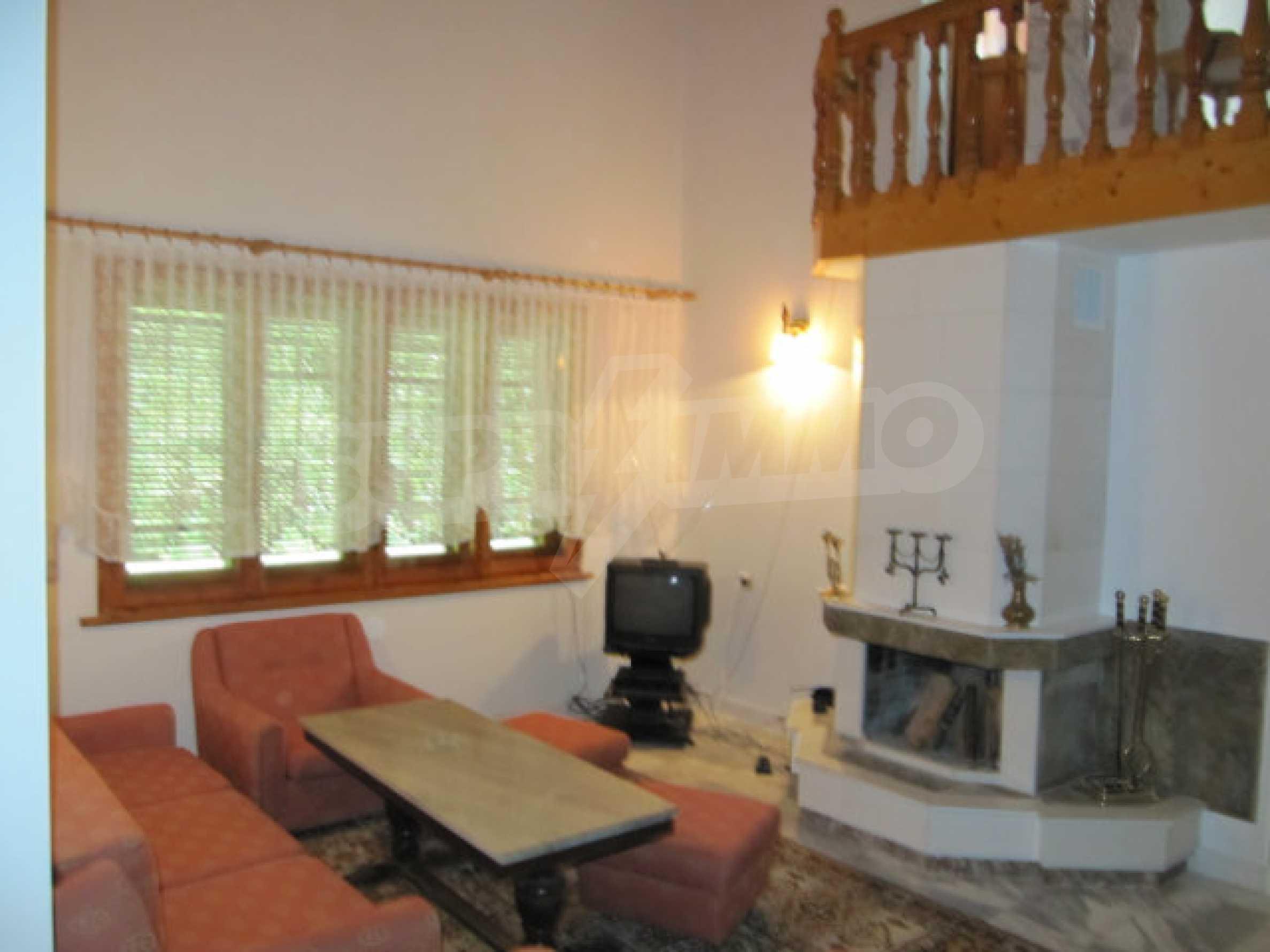 Трехэтажный дом недалеко от курорта Пампорово 10