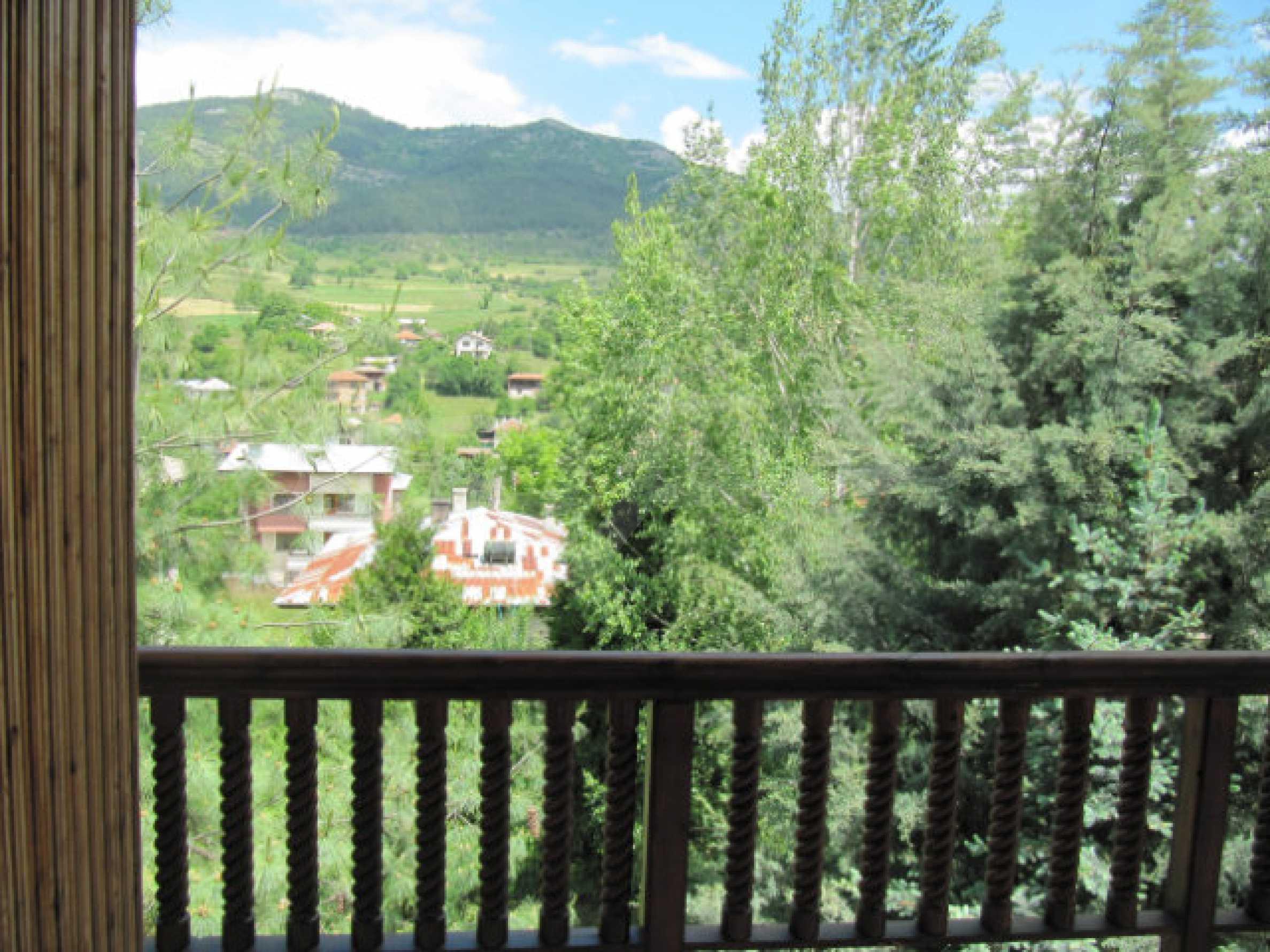 Трехэтажный дом недалеко от курорта Пампорово 24