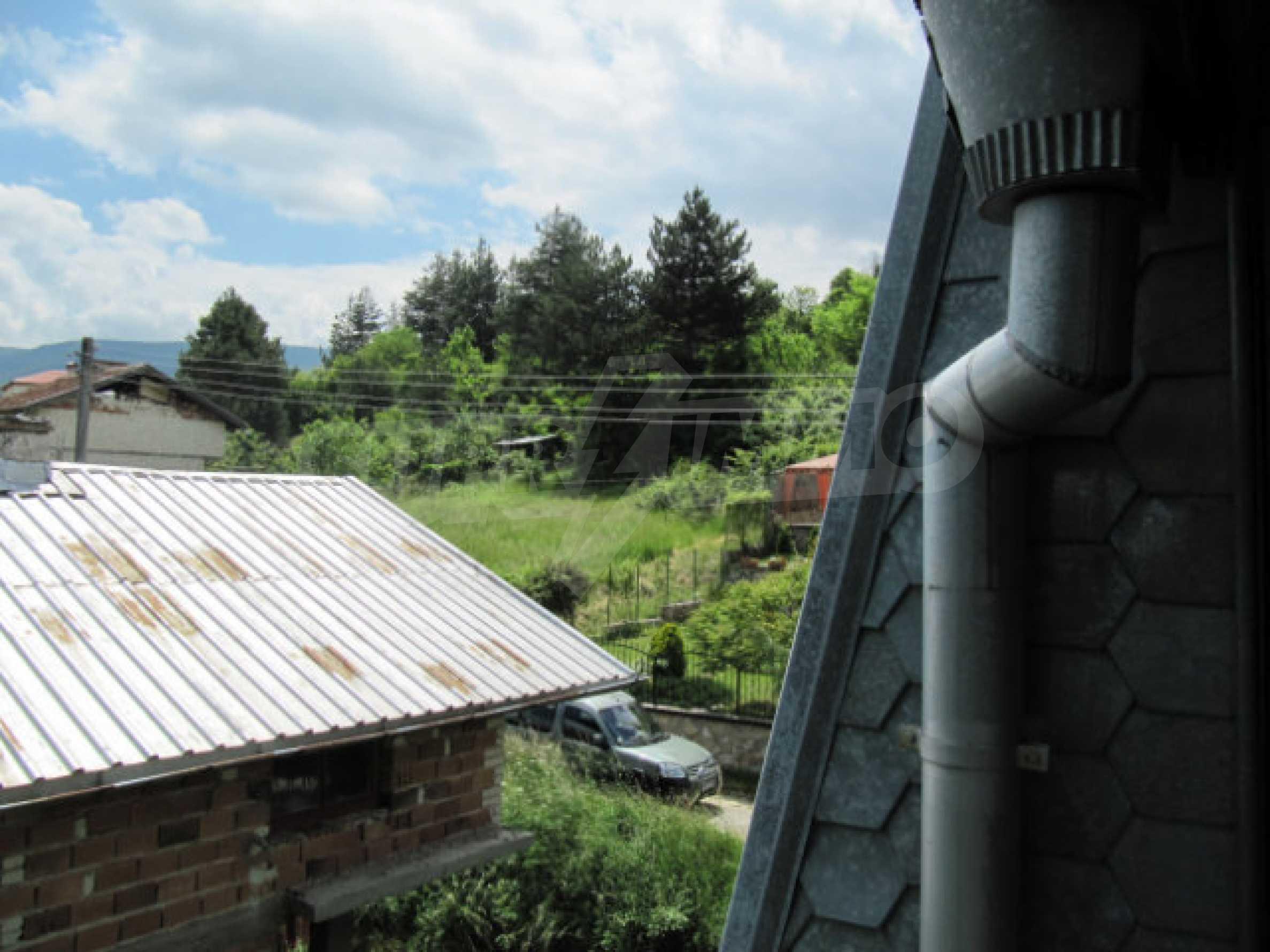 Трехэтажный дом недалеко от курорта Пампорово 27