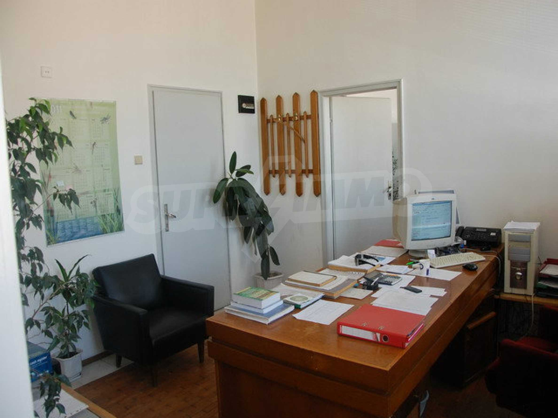 First floor of office building in the center of Gabrovo 1
