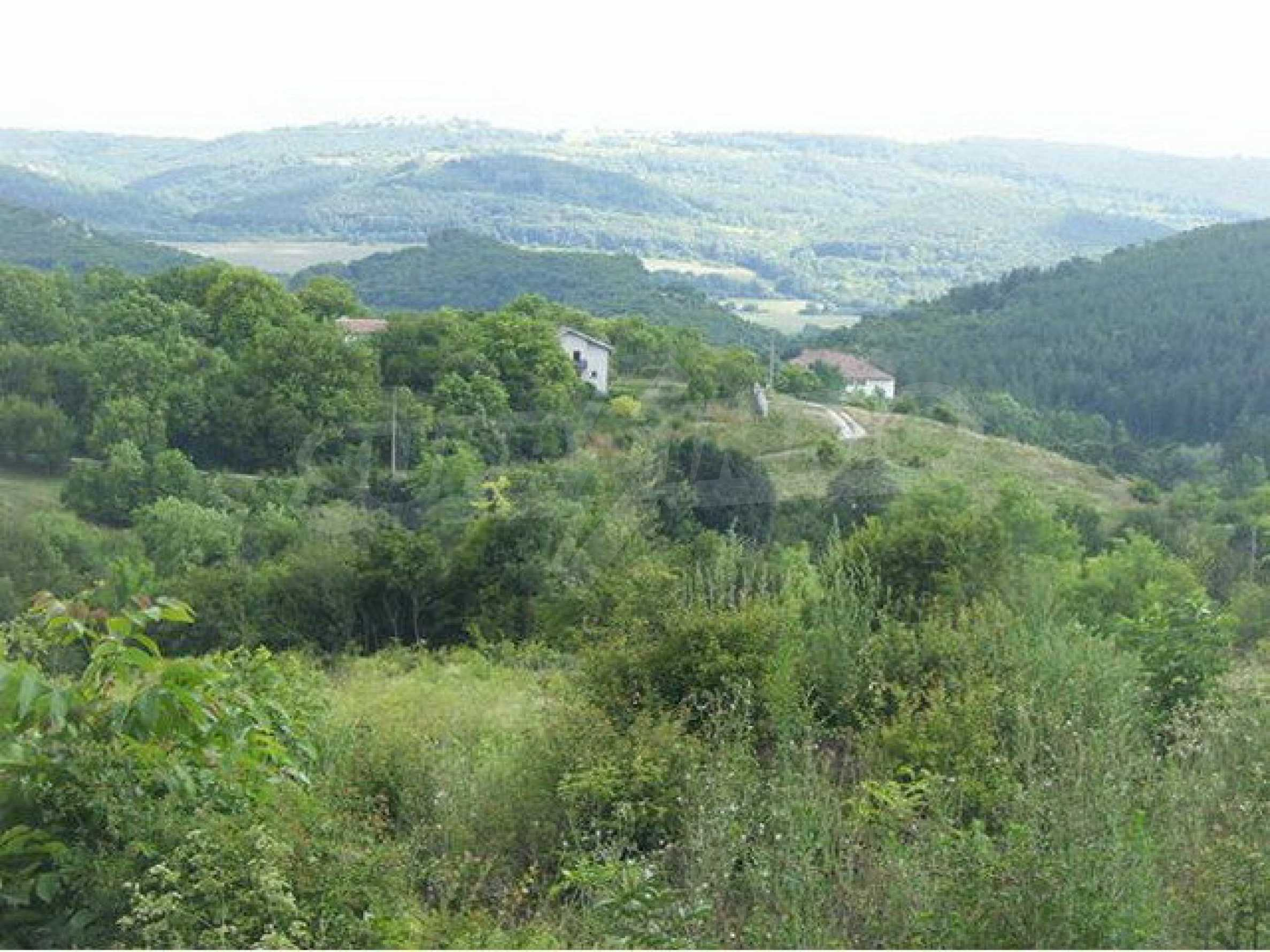 Plot of land in a village on the main road Sofia - Varna 8