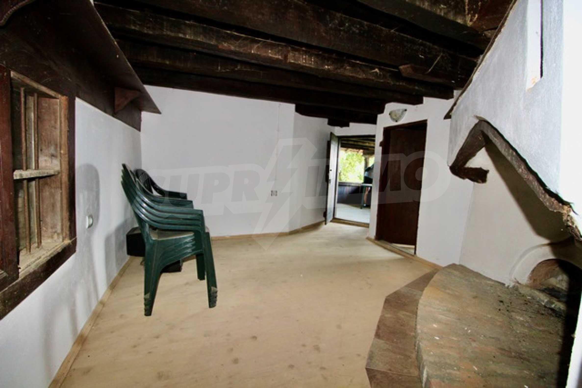 Renovated renaissance house in Elena Balkan 18