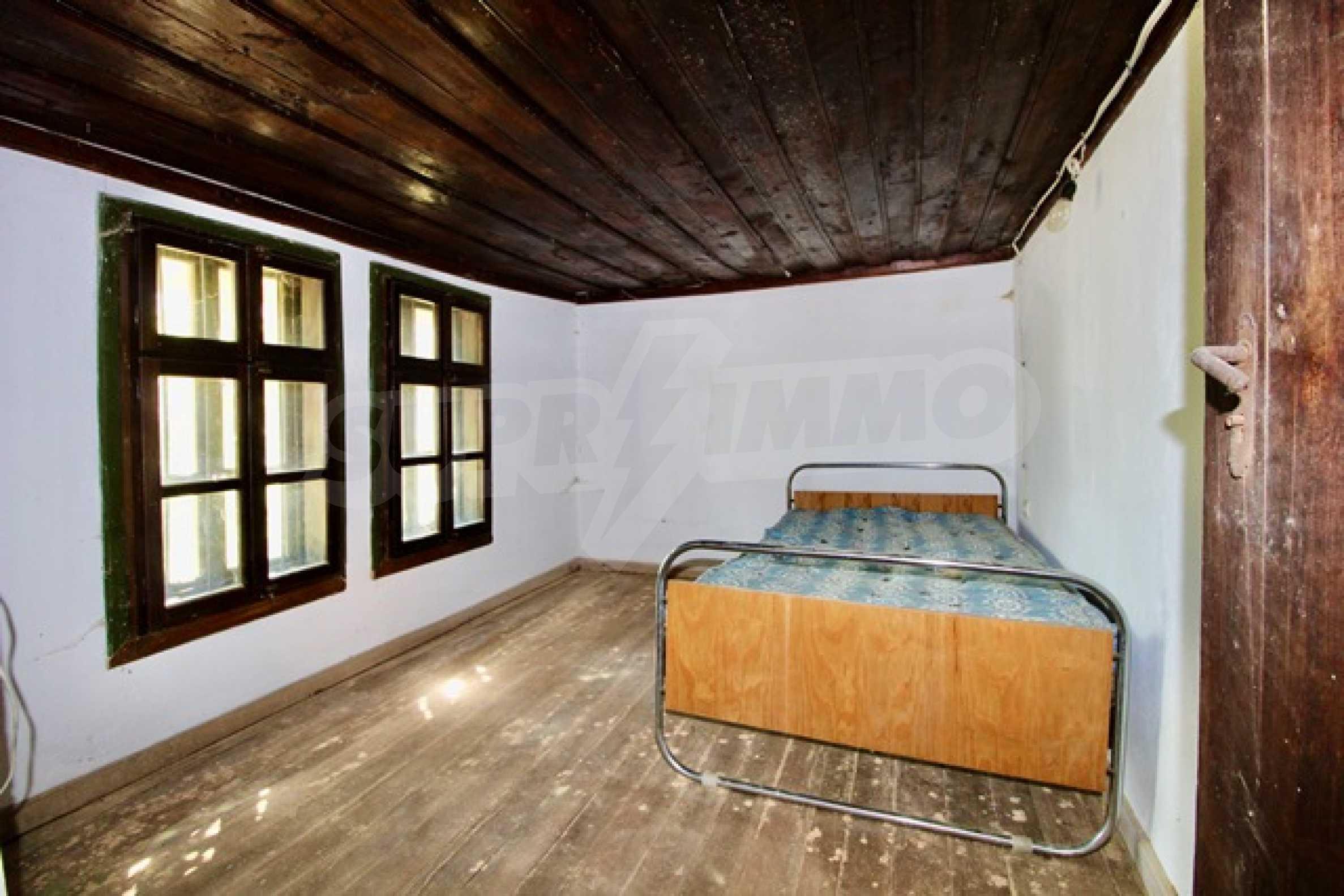 Renovated renaissance house in Elena Balkan 7
