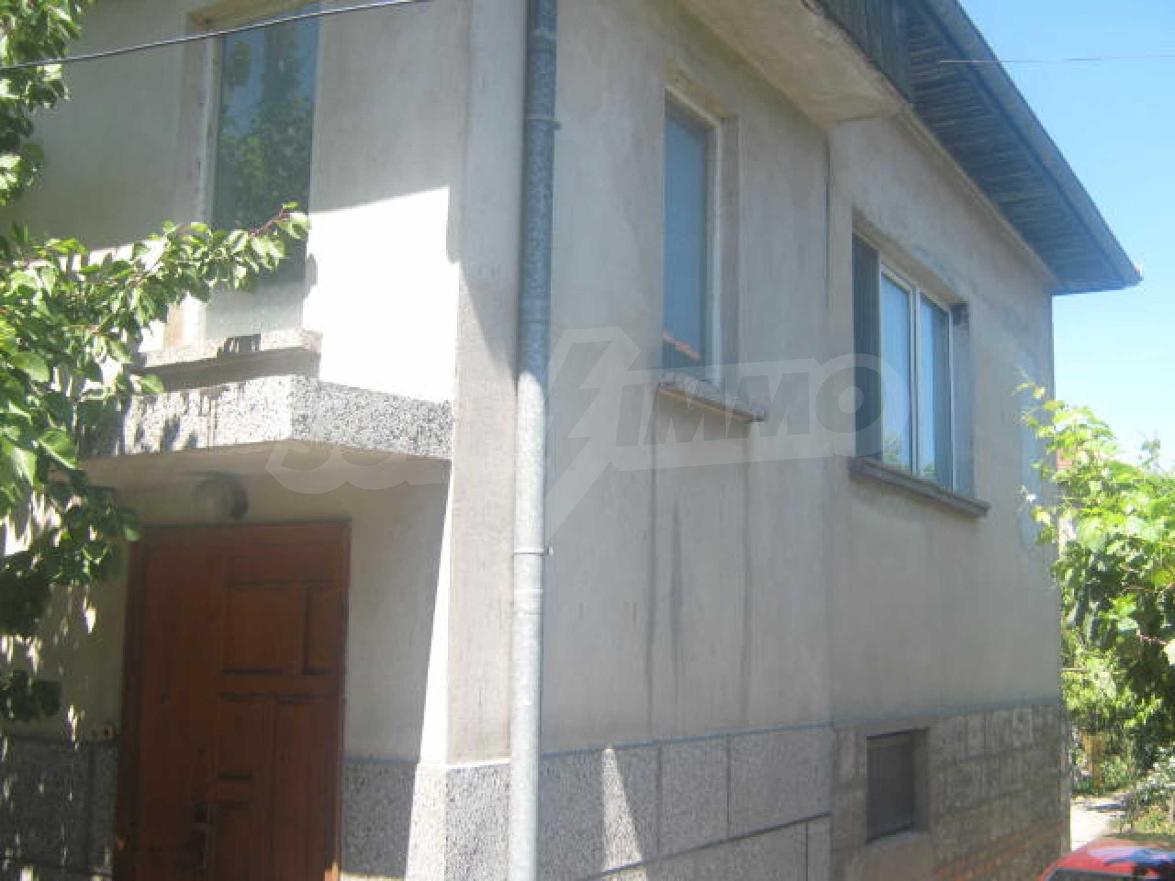 Большой двухэтажный дом в г. Видин 2