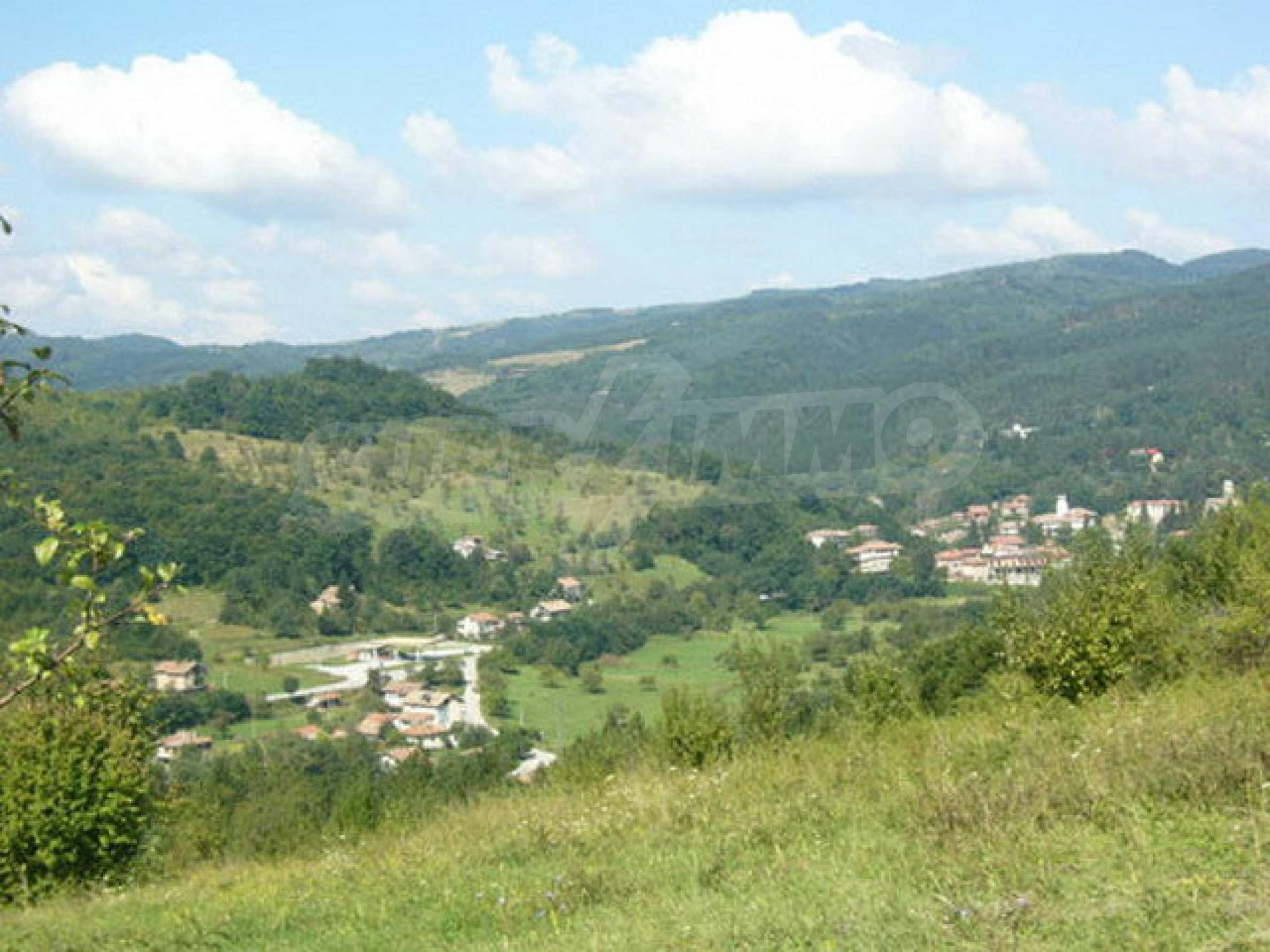 Reguliertes Anwesen in einem Dorf, das mit seinen Mineralquellen beliebt ist