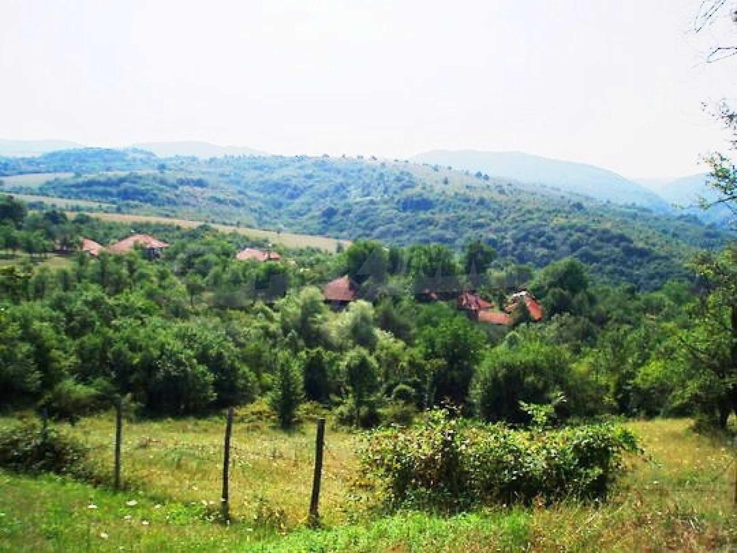 Reguliertes Anwesen in einem Dorf, das mit seinen Mineralquellen beliebt ist 10