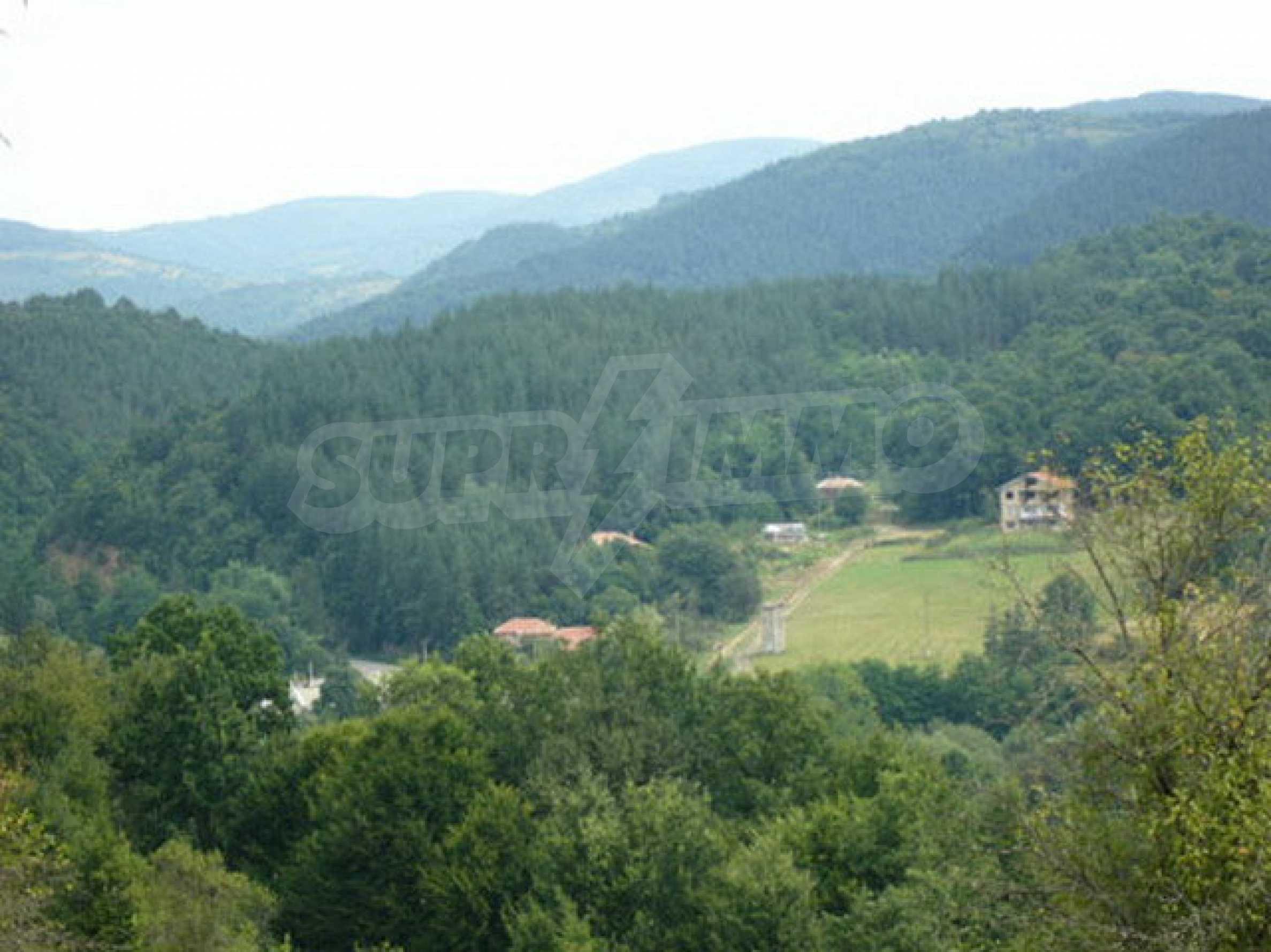 Reguliertes Anwesen in einem Dorf, das mit seinen Mineralquellen beliebt ist 7