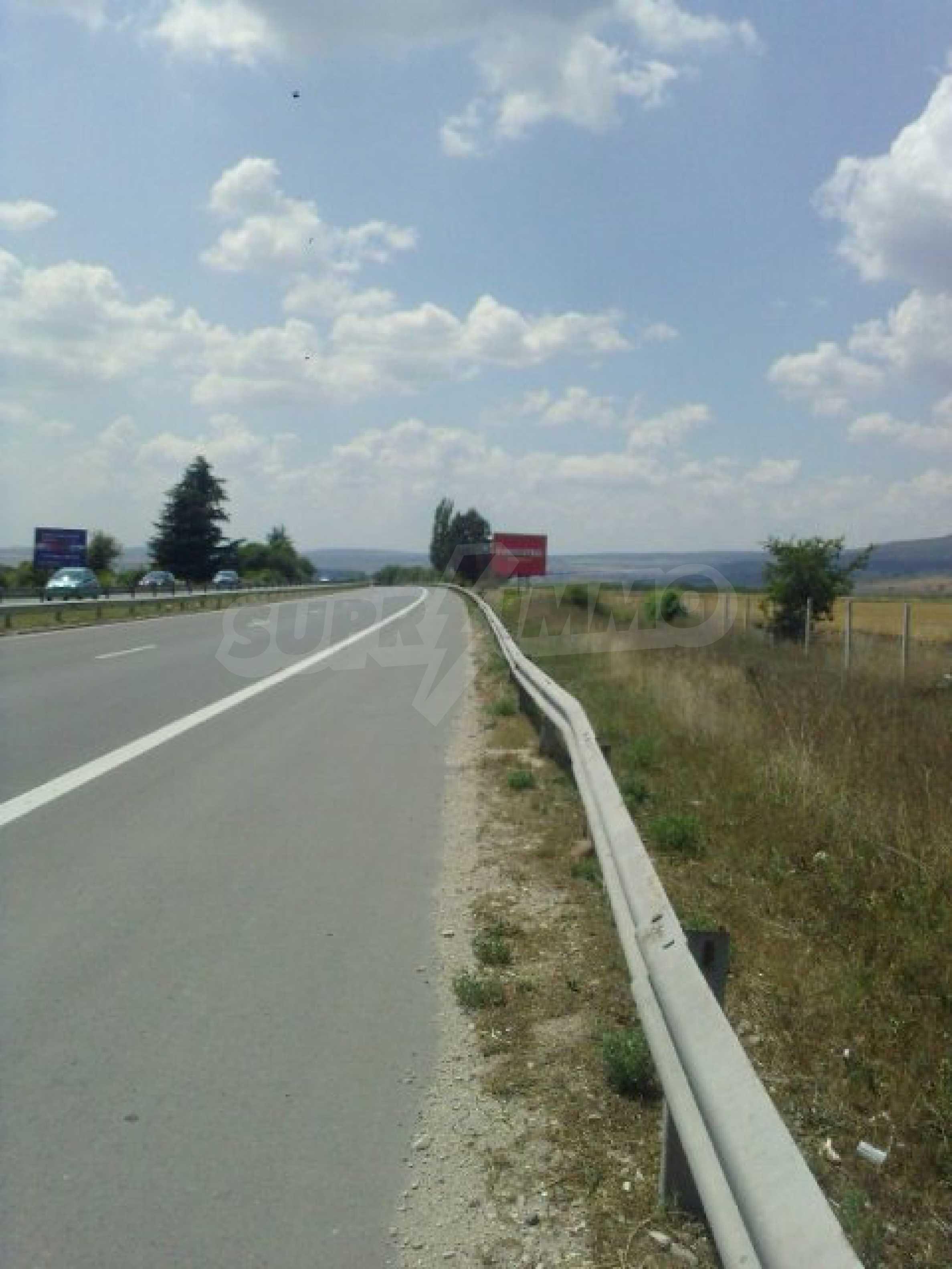 Grundstück in der Nähe des Flughafens Varna 2