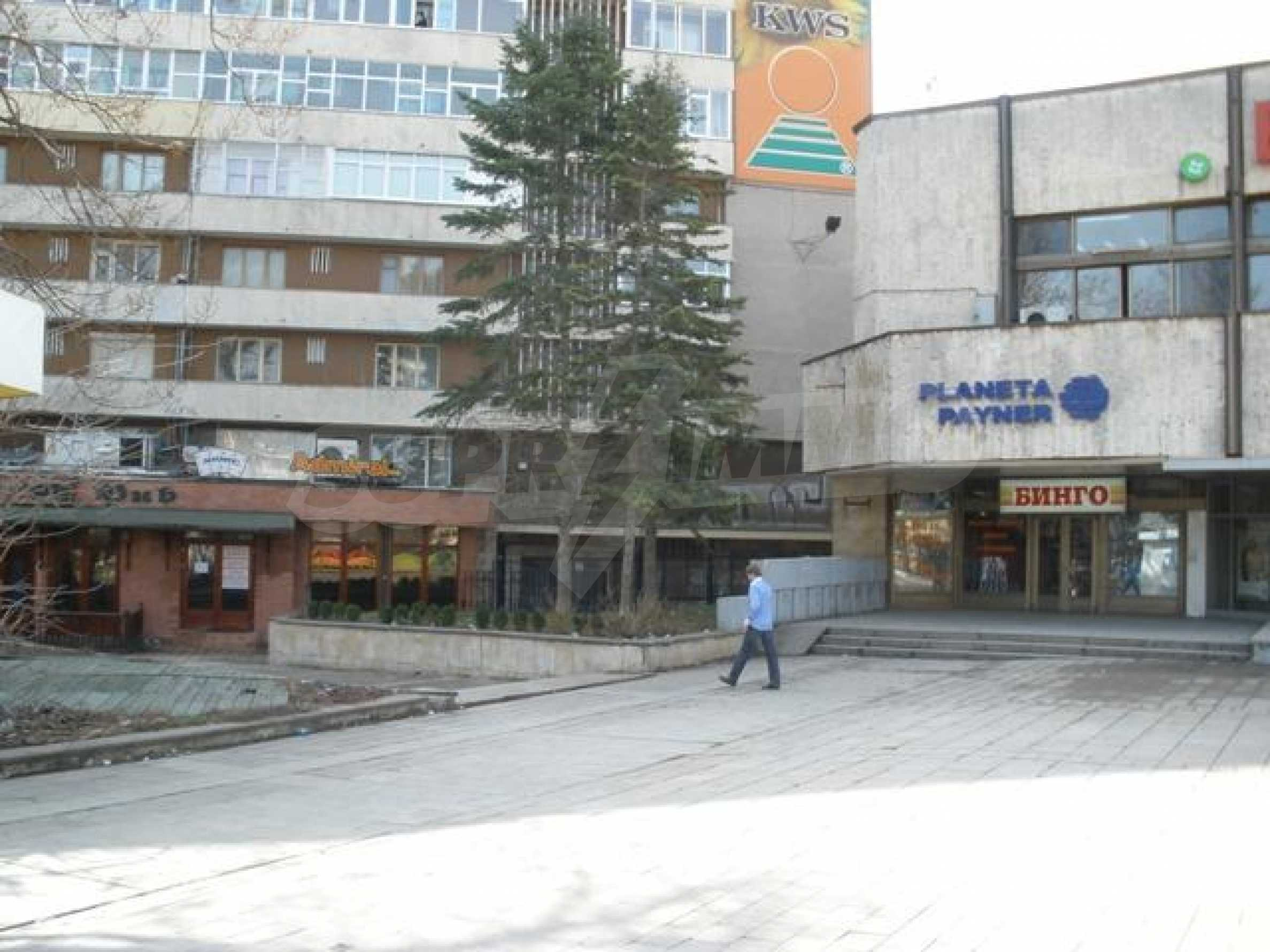 Business premises in Dobrich town 3