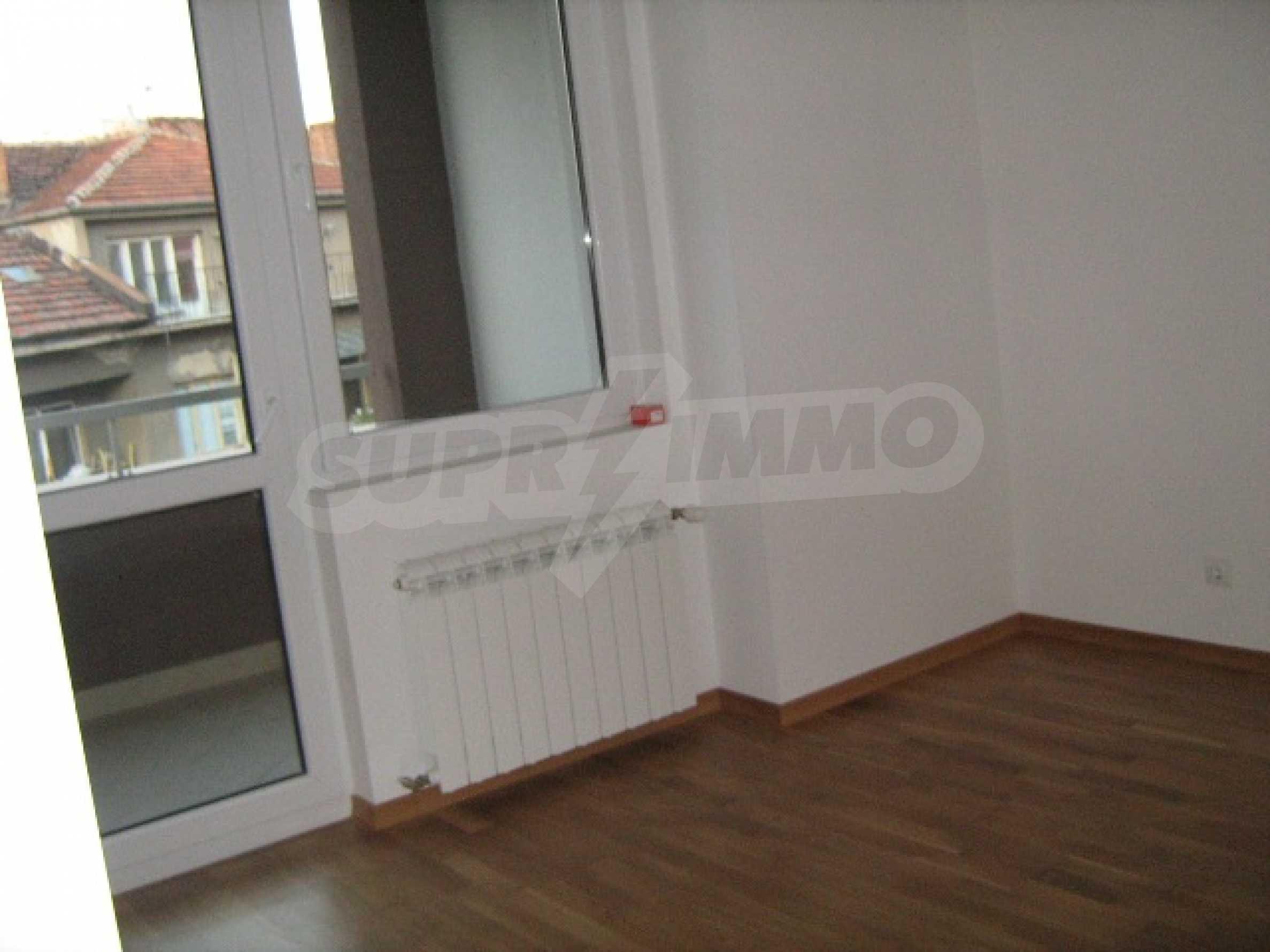 Konstantin Irechek Apartment 1