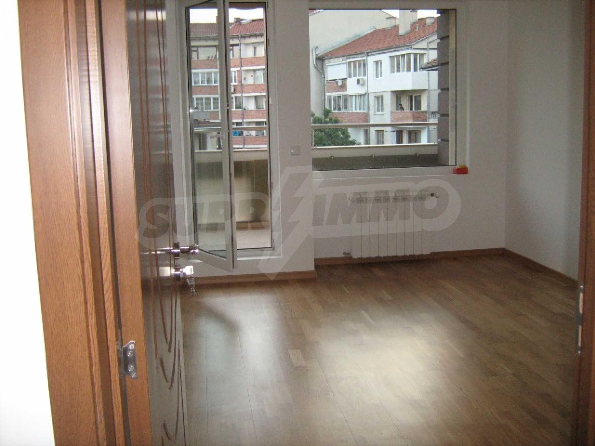 Konstantin Irechek Apartment 3