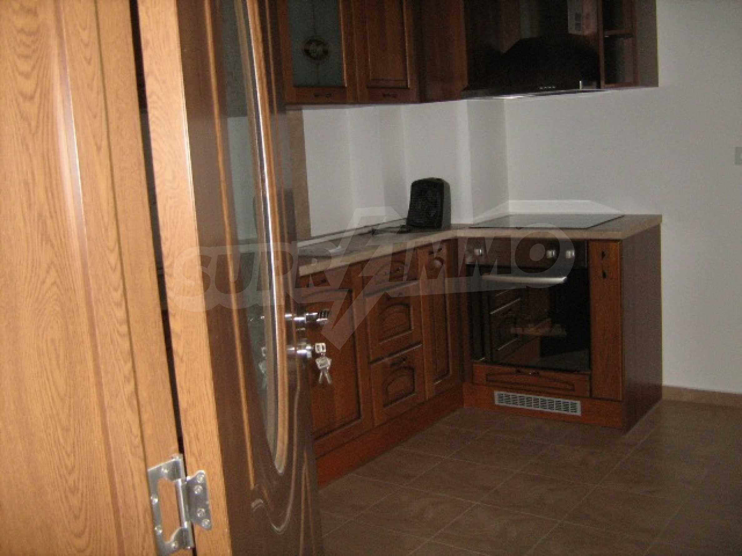Konstantin Irechek Apartment 4
