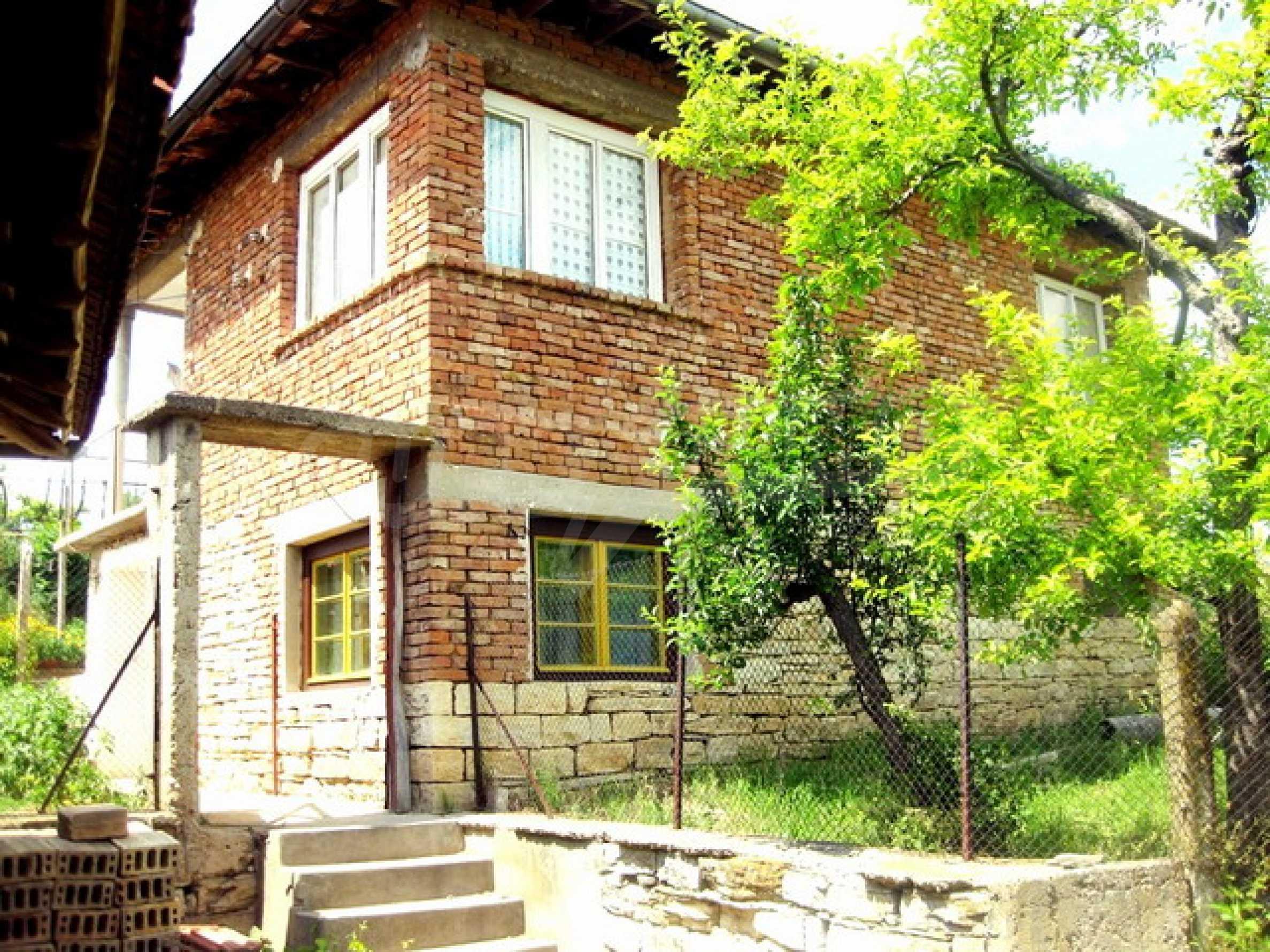 Дом около реки Дунай 2
