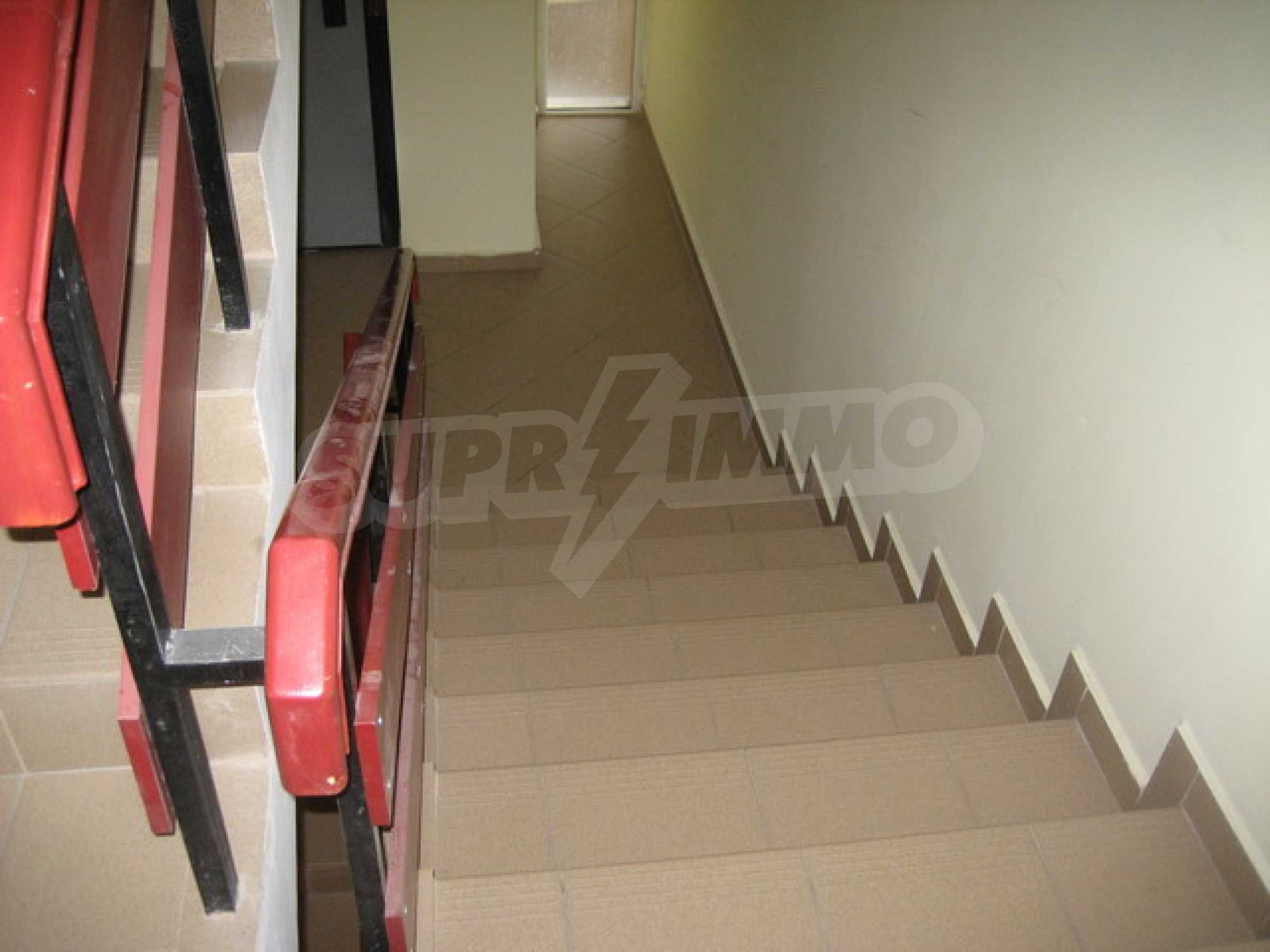 One bedroom apartment with good location for rent in Veliko Tarnovo 35