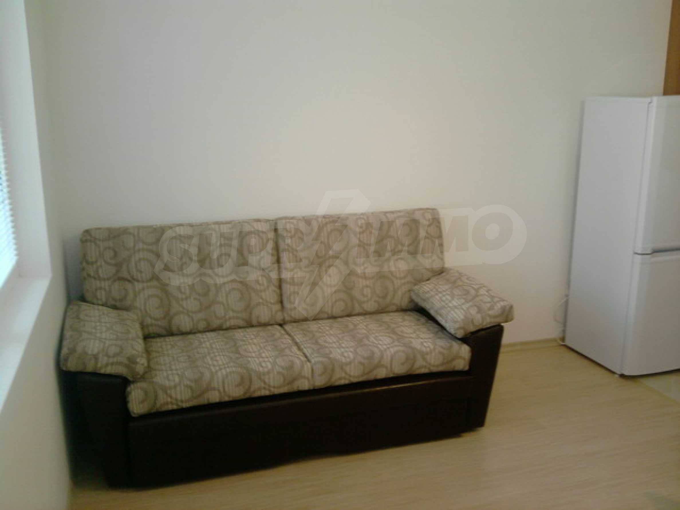 One bedroom apartment with good location for rent in Veliko Tarnovo 8