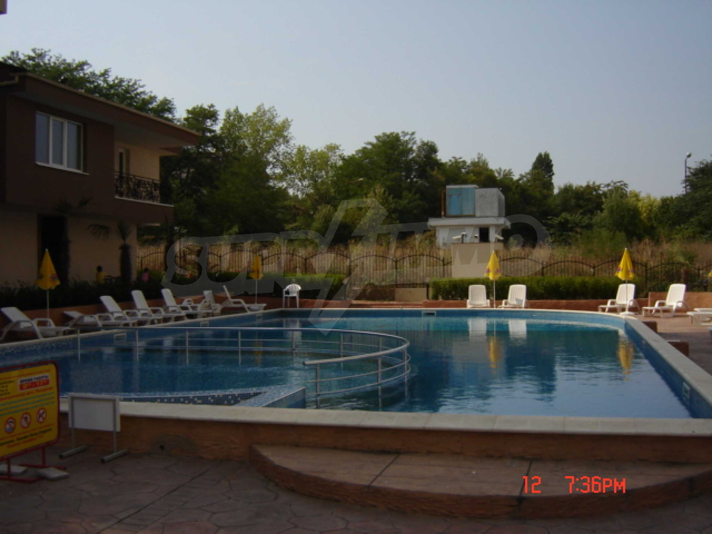Two-bedroom apartment in a luxury gated development in Burgas 10
