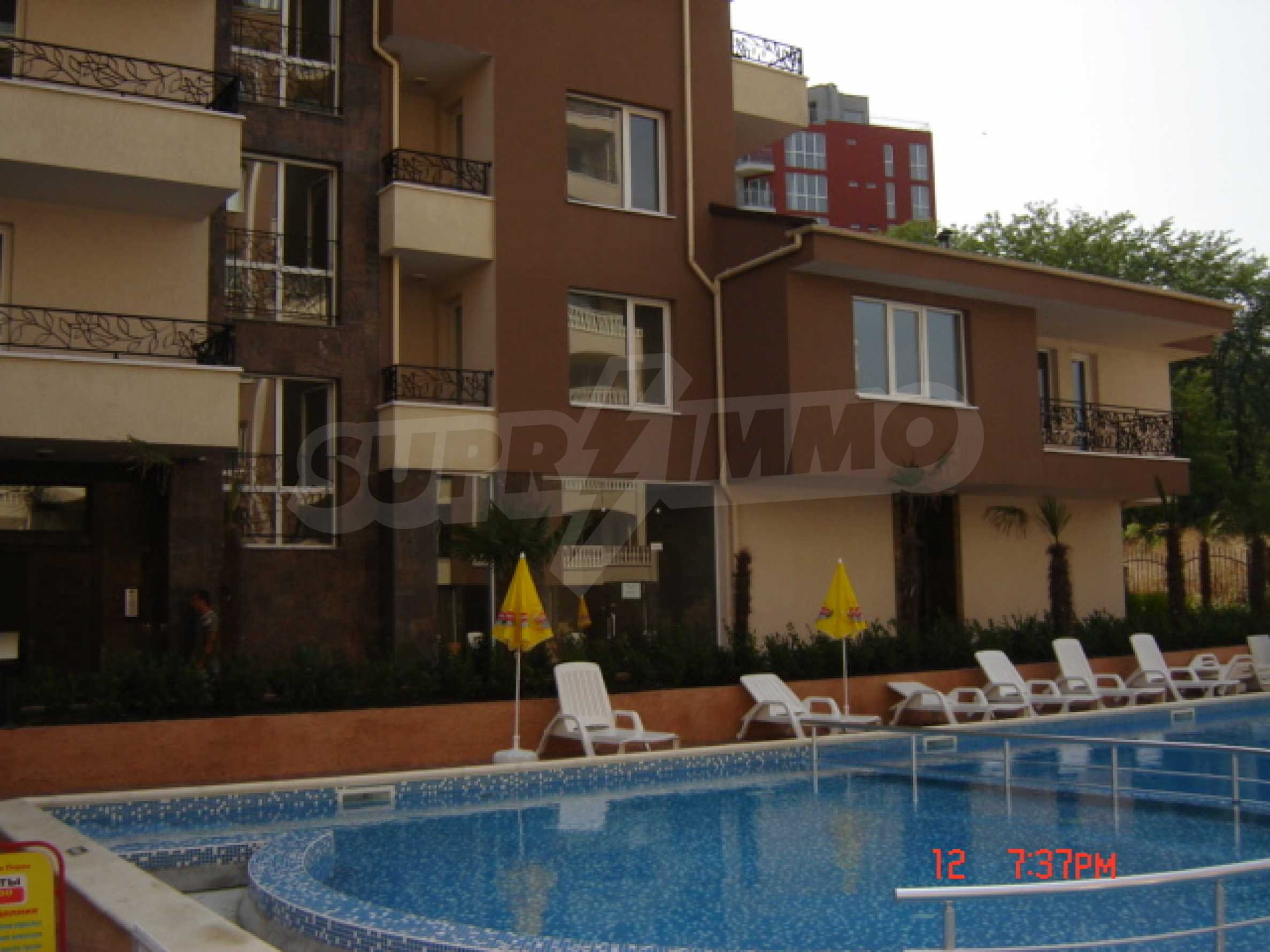 Two-bedroom apartment in a luxury gated development in Burgas 12