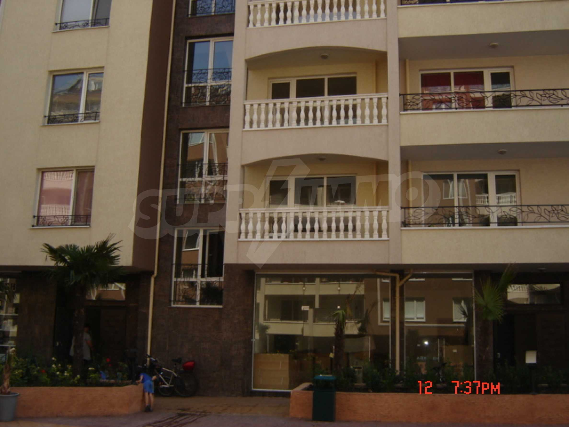 Two-bedroom apartment in a luxury gated development in Burgas 13
