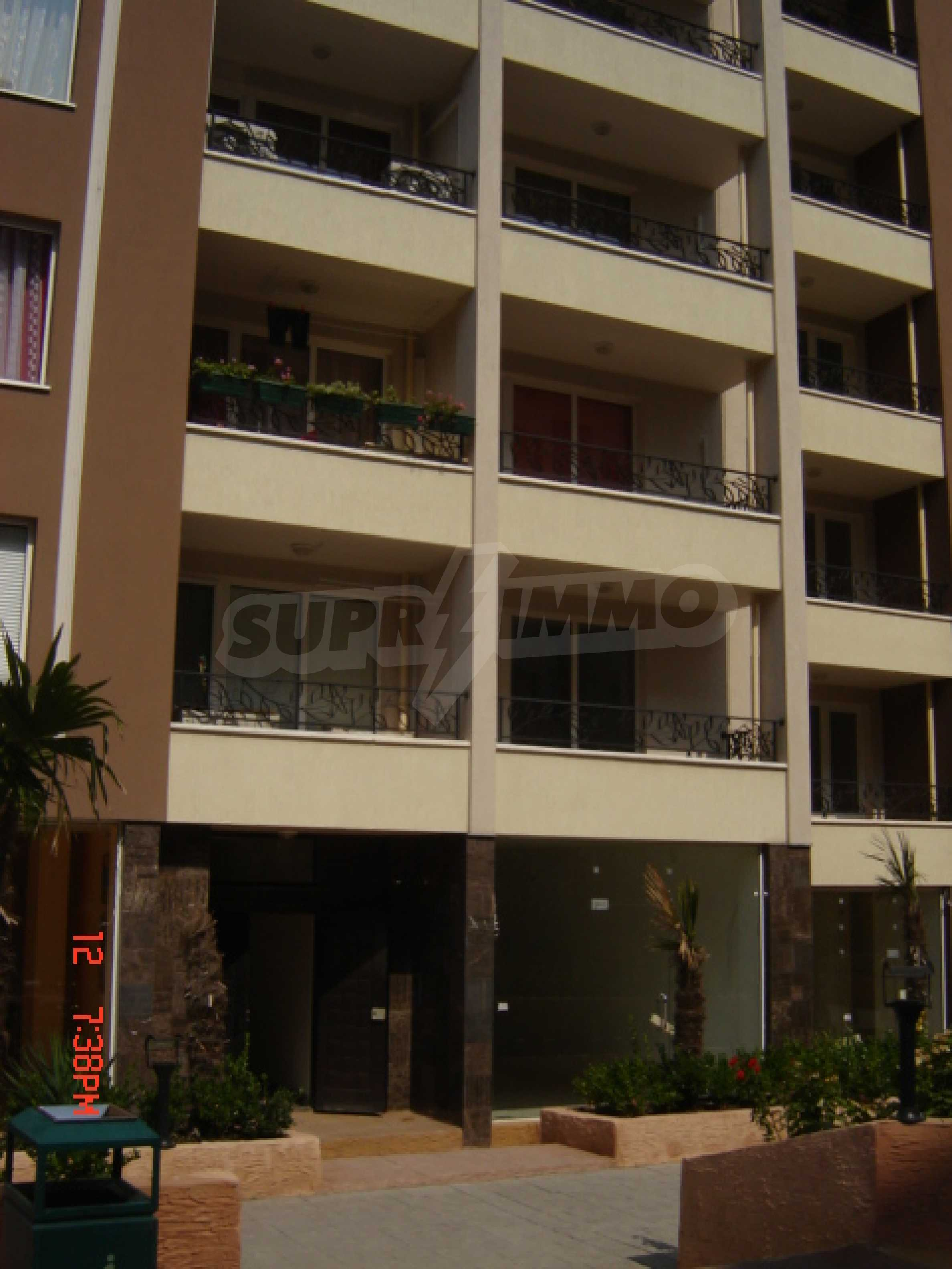 Two-bedroom apartment in a luxury gated development in Burgas 15