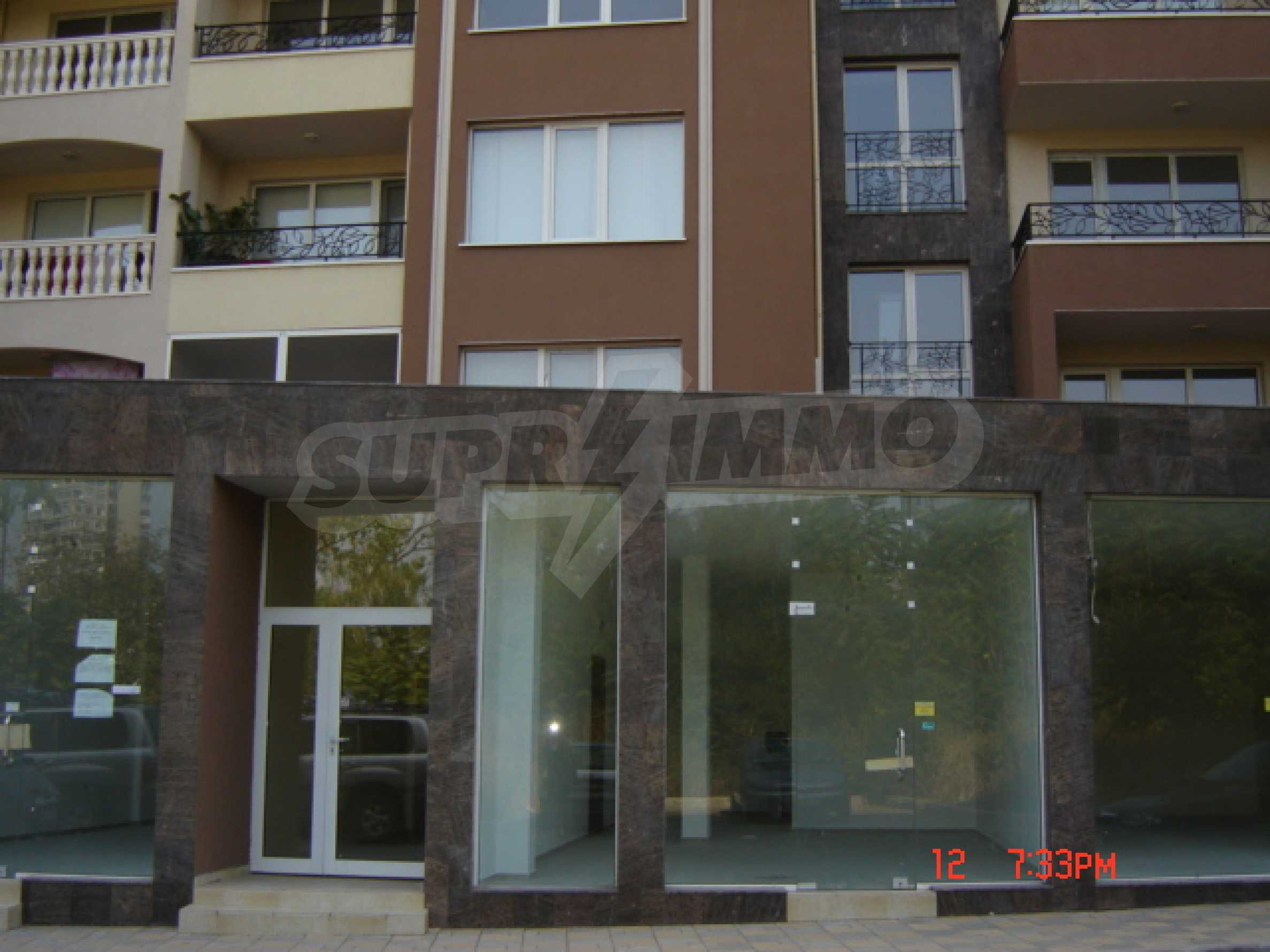 Two-bedroom apartment in a luxury gated development in Burgas 18