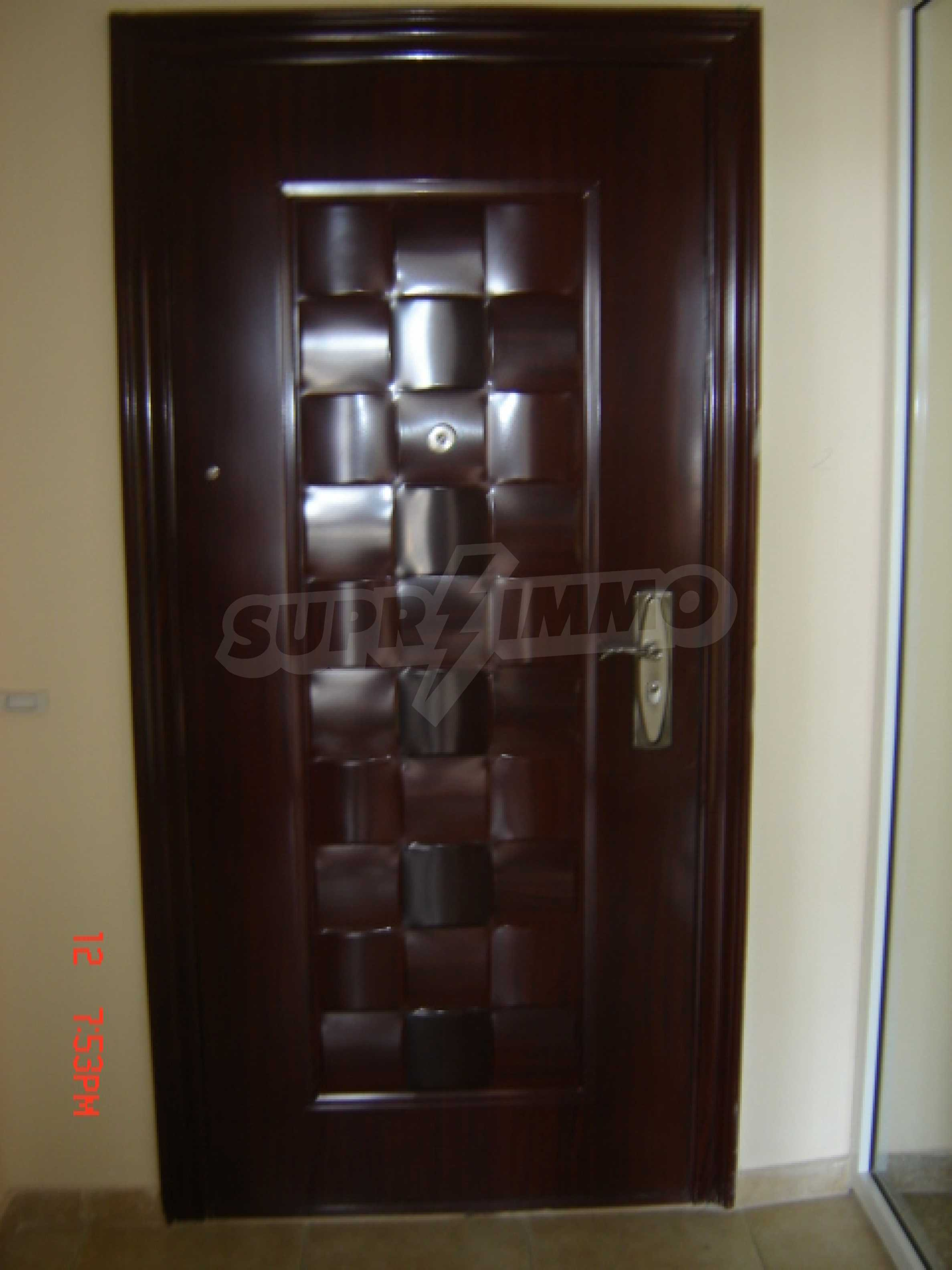 Two-bedroom apartment in a luxury gated development in Burgas 21