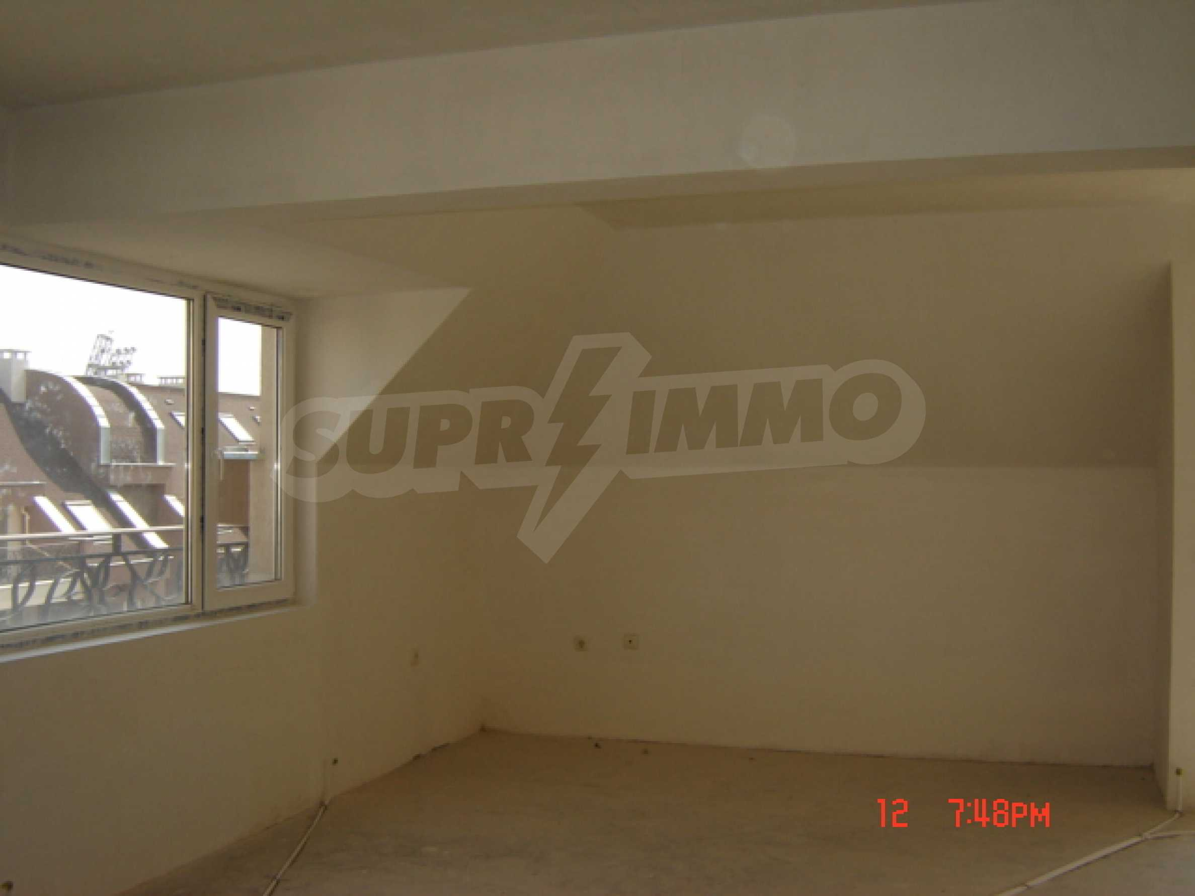 Two-bedroom apartment in a luxury gated development in Burgas 23