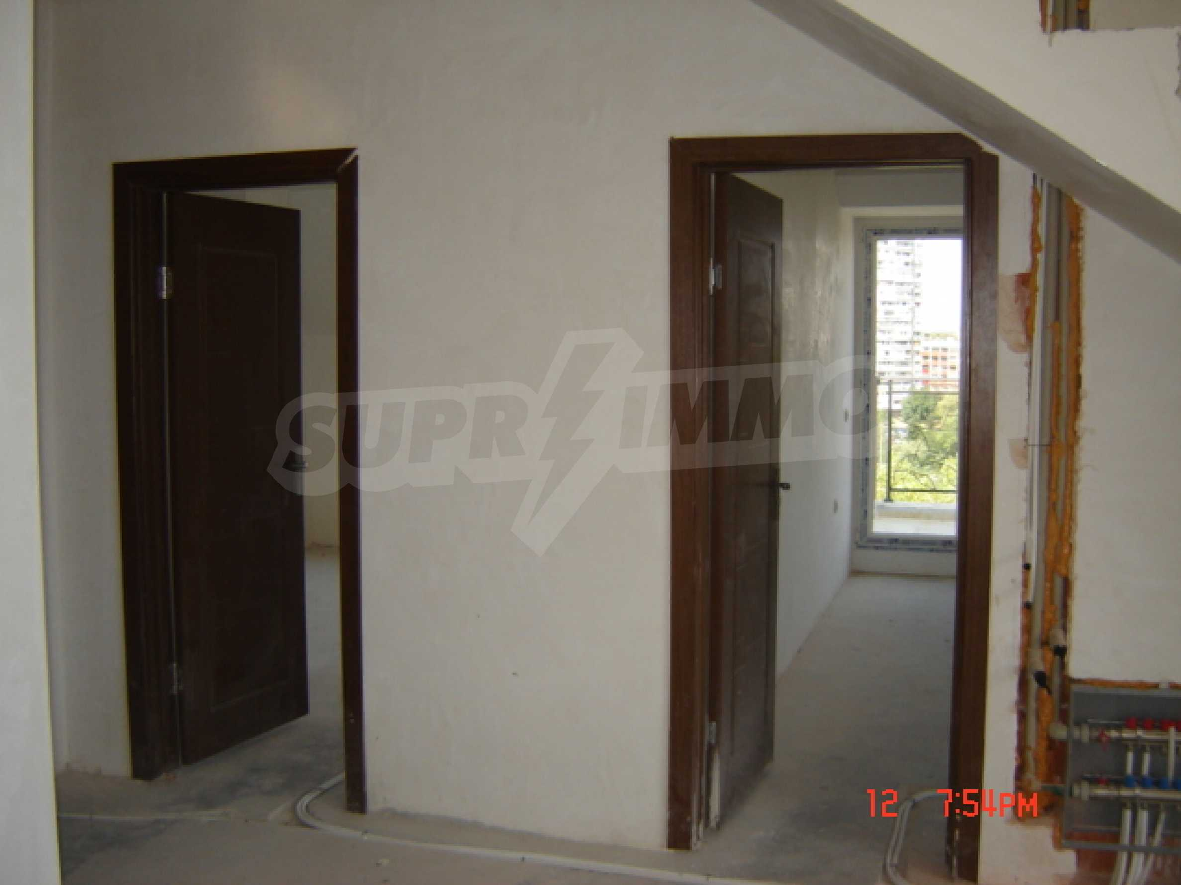 Two-bedroom apartment in a luxury gated development in Burgas 29