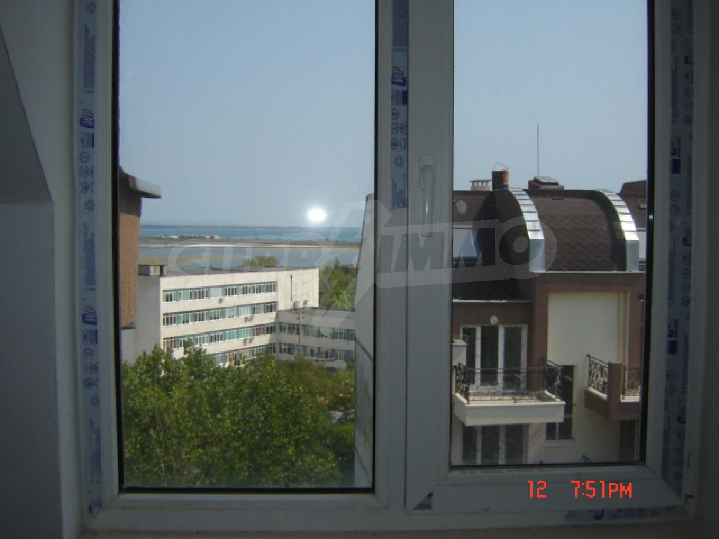 Two-bedroom apartment in a luxury gated development in Burgas 32