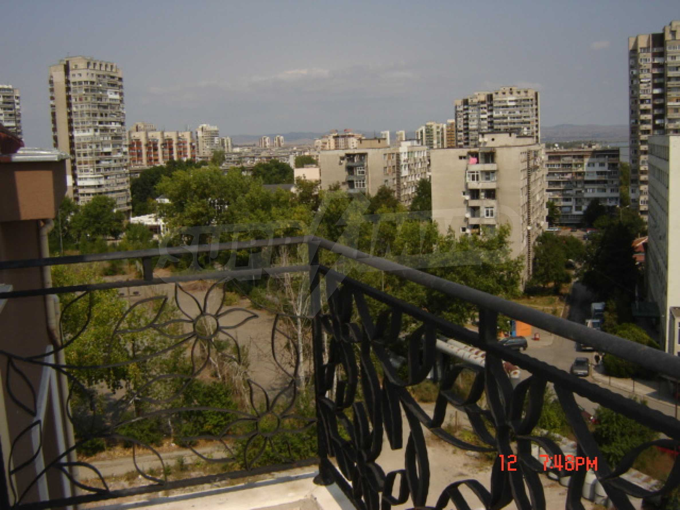 Two-bedroom apartment in a luxury gated development in Burgas 34