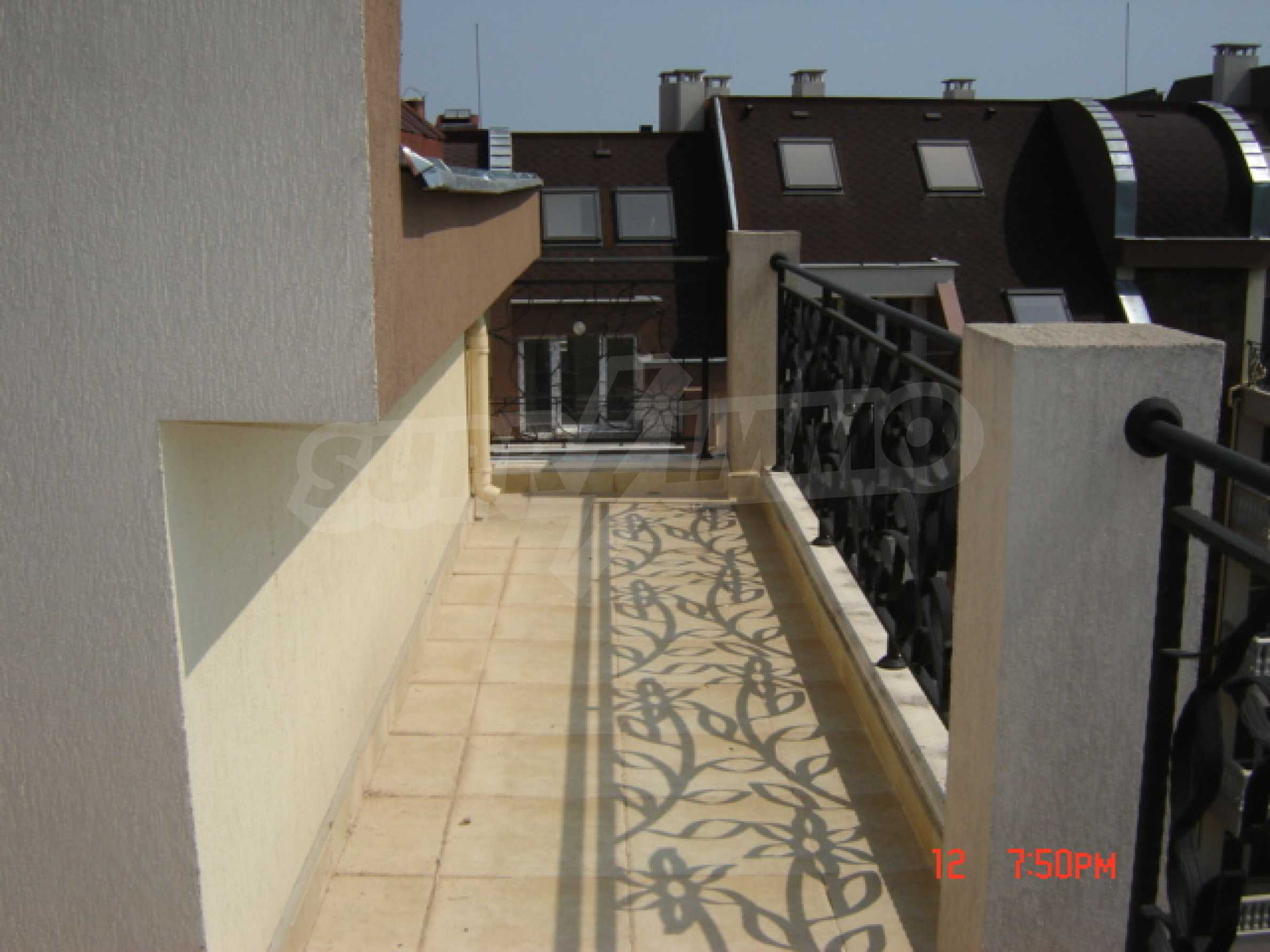 Two-bedroom apartment in a luxury gated development in Burgas 38