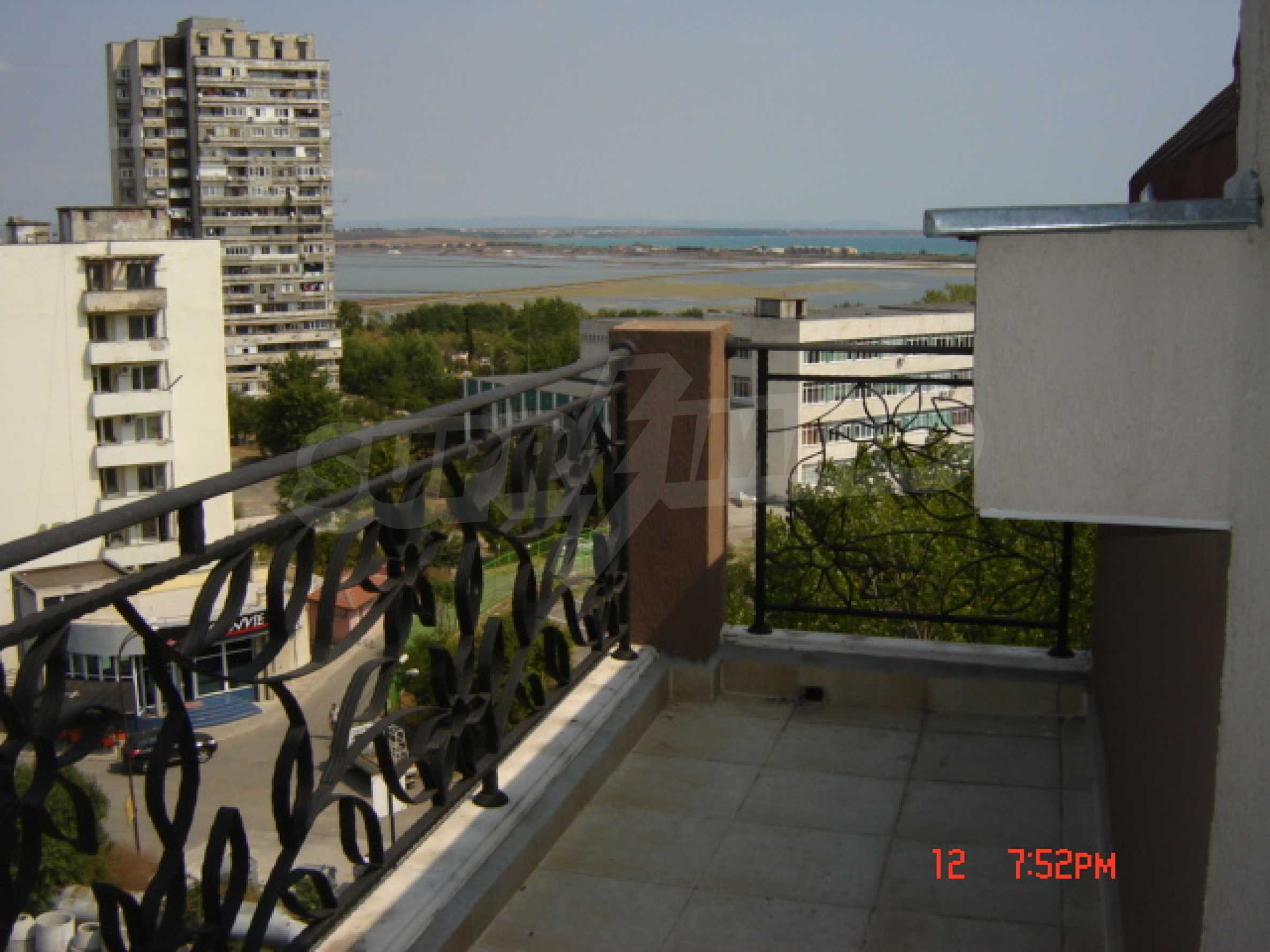 Two-bedroom apartment in a luxury gated development in Burgas 40