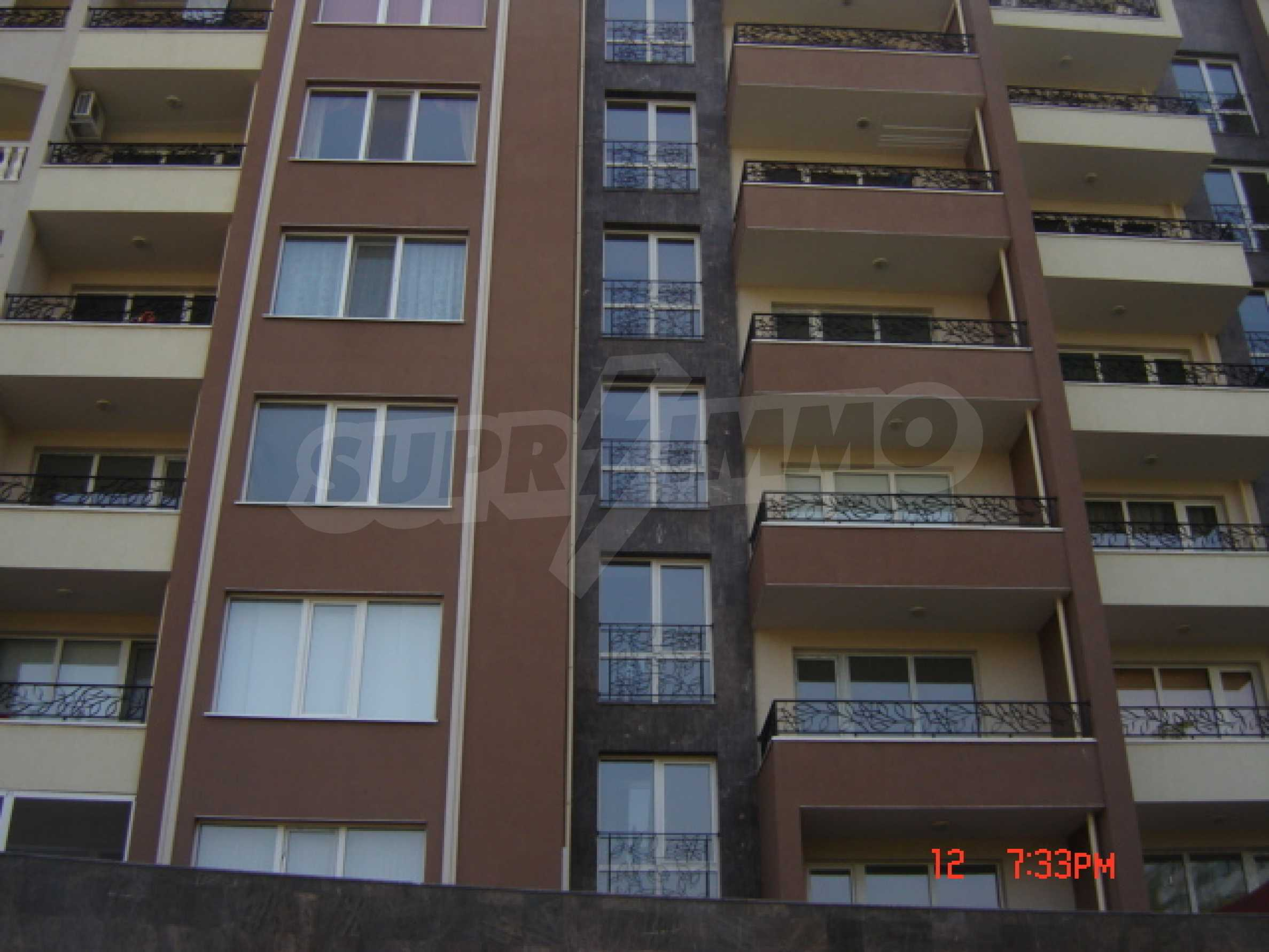 Two-bedroom apartment in a luxury gated development in Burgas 5