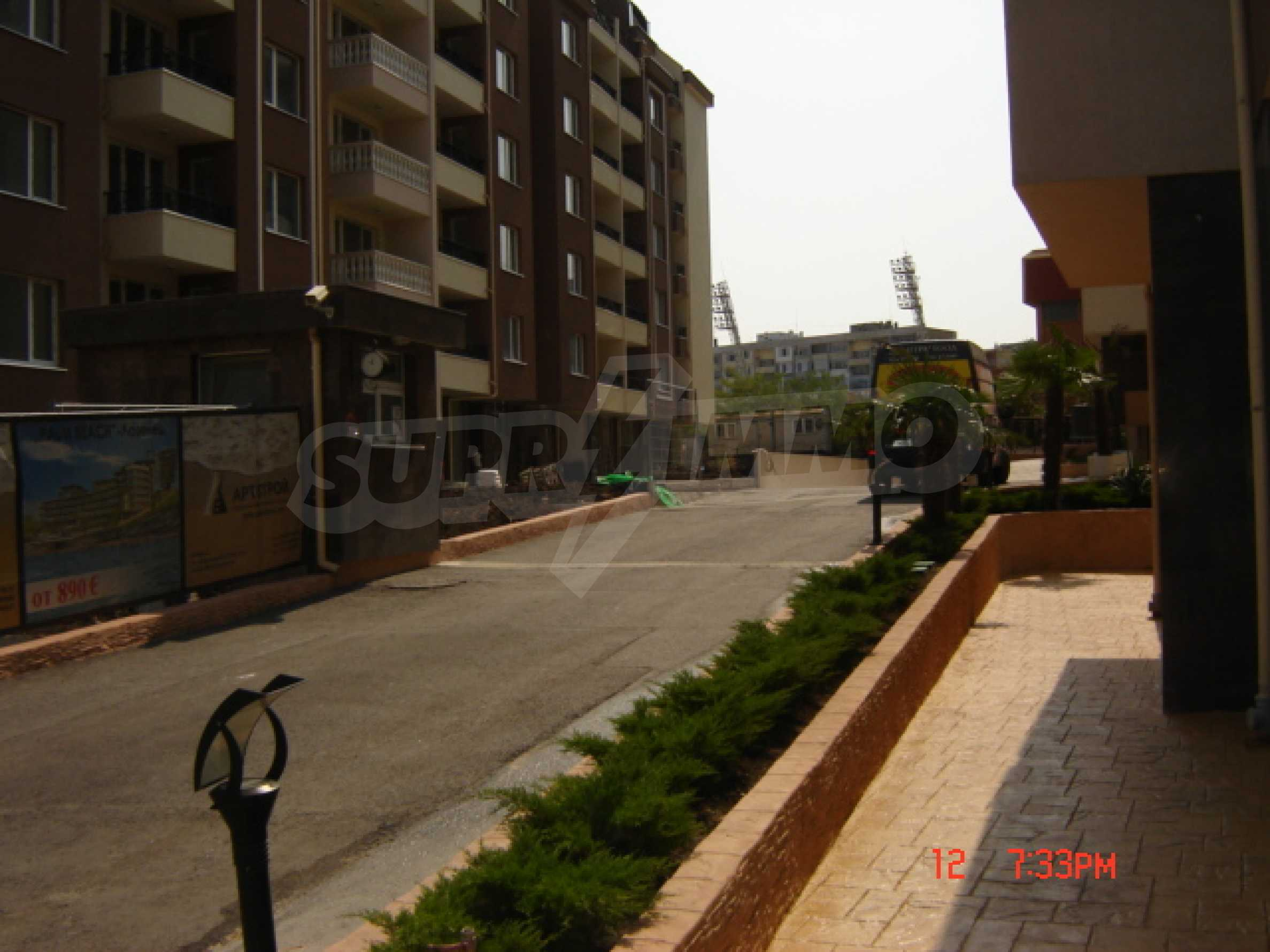 Two-bedroom apartment in a luxury gated development in Burgas 6