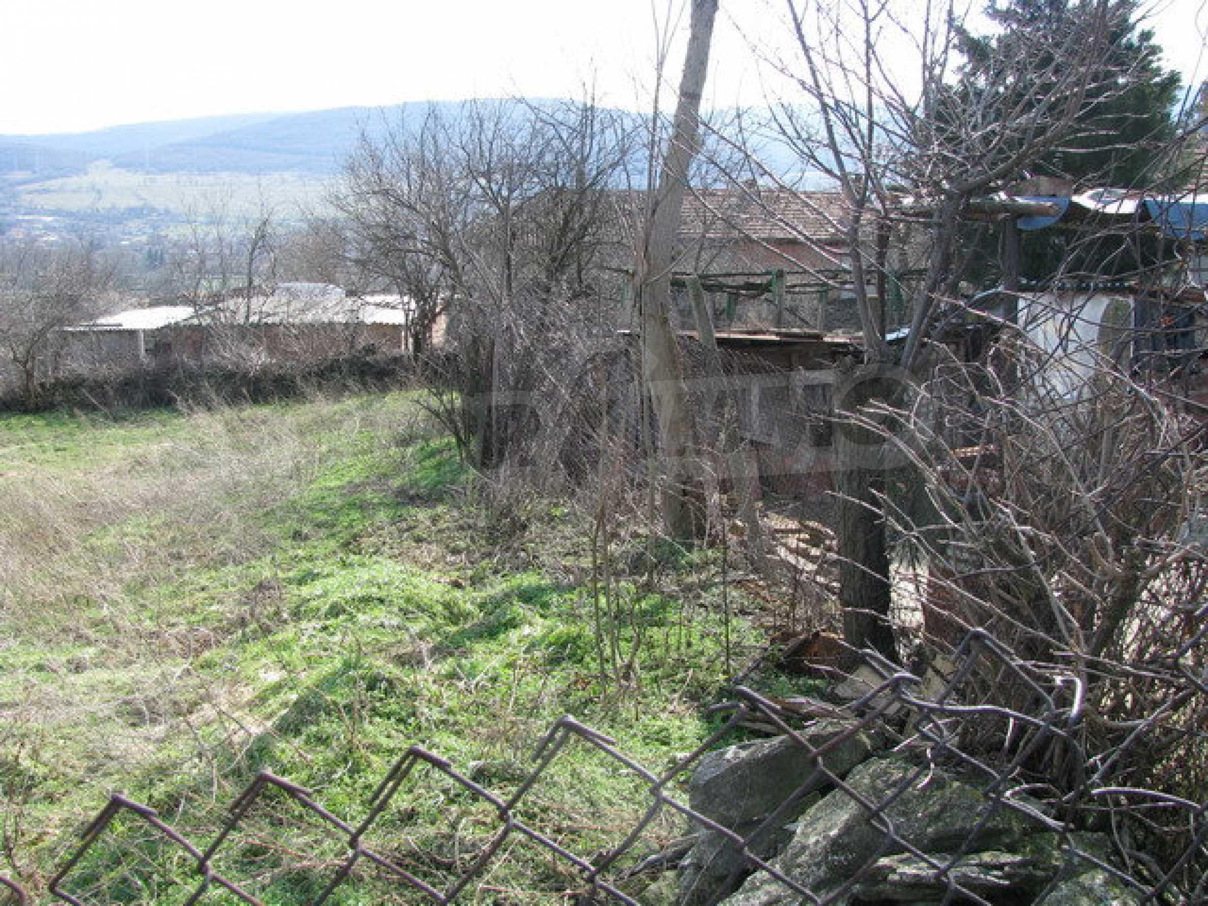 Grundstück in einem lebhaften Dorf in der Nähe von Veliko Tarnovo mit sehr guter Infrastruktur 3