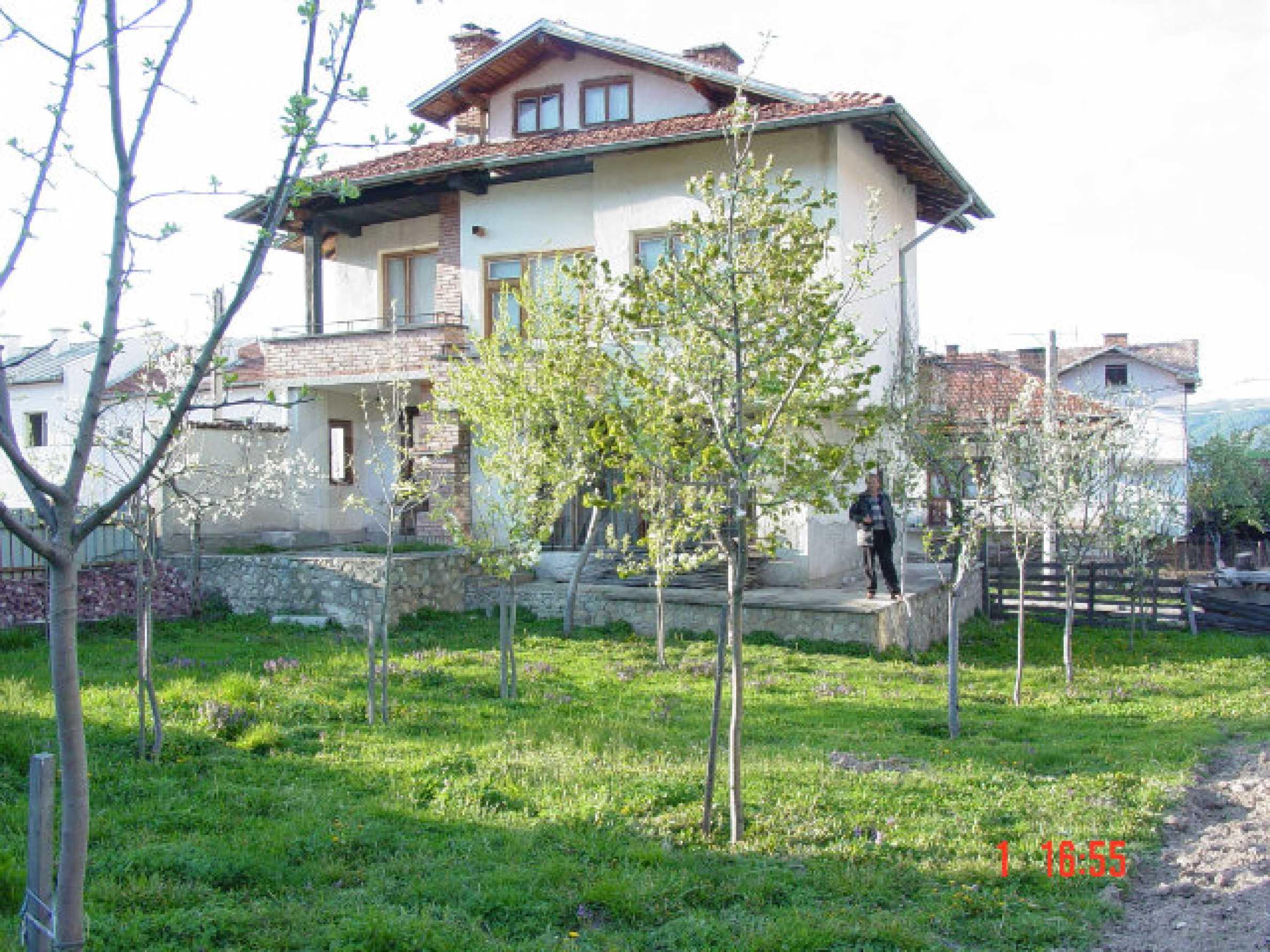 Двухэтажный дом в Добриниште  1